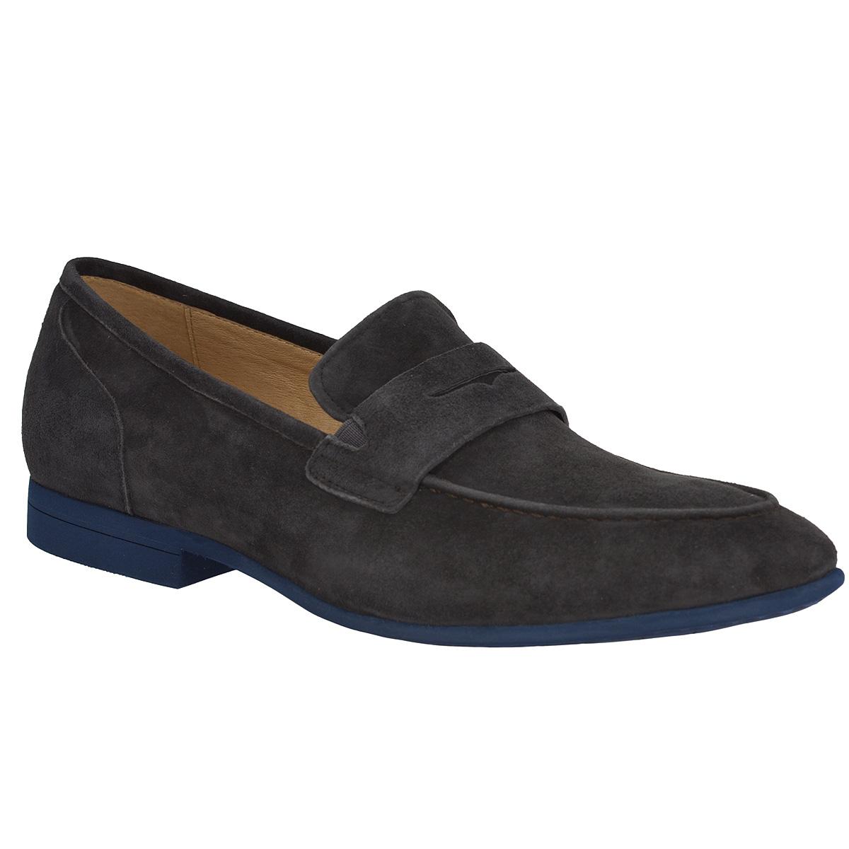 M13525Модные мужские туфли Vitacci займут достойное место в вашем гардеробе. Модель изготовлена из натуральной замши. Мыс изделия оформлен декоративным внешним швом и декоративным ремнем с прорезью. Резинки, расположенные на подъеме, обеспечивают оптимальную посадку модели на ноге. Стелька из натуральной кожи позволяет ногам дышать. Подкладка выполнена из нубука. Низкий каблук и подошва из вспененного полимера EVA дополнены противоскользящим рифлением. Стильные туфли не оставят равнодушным ни одного мужчину.
