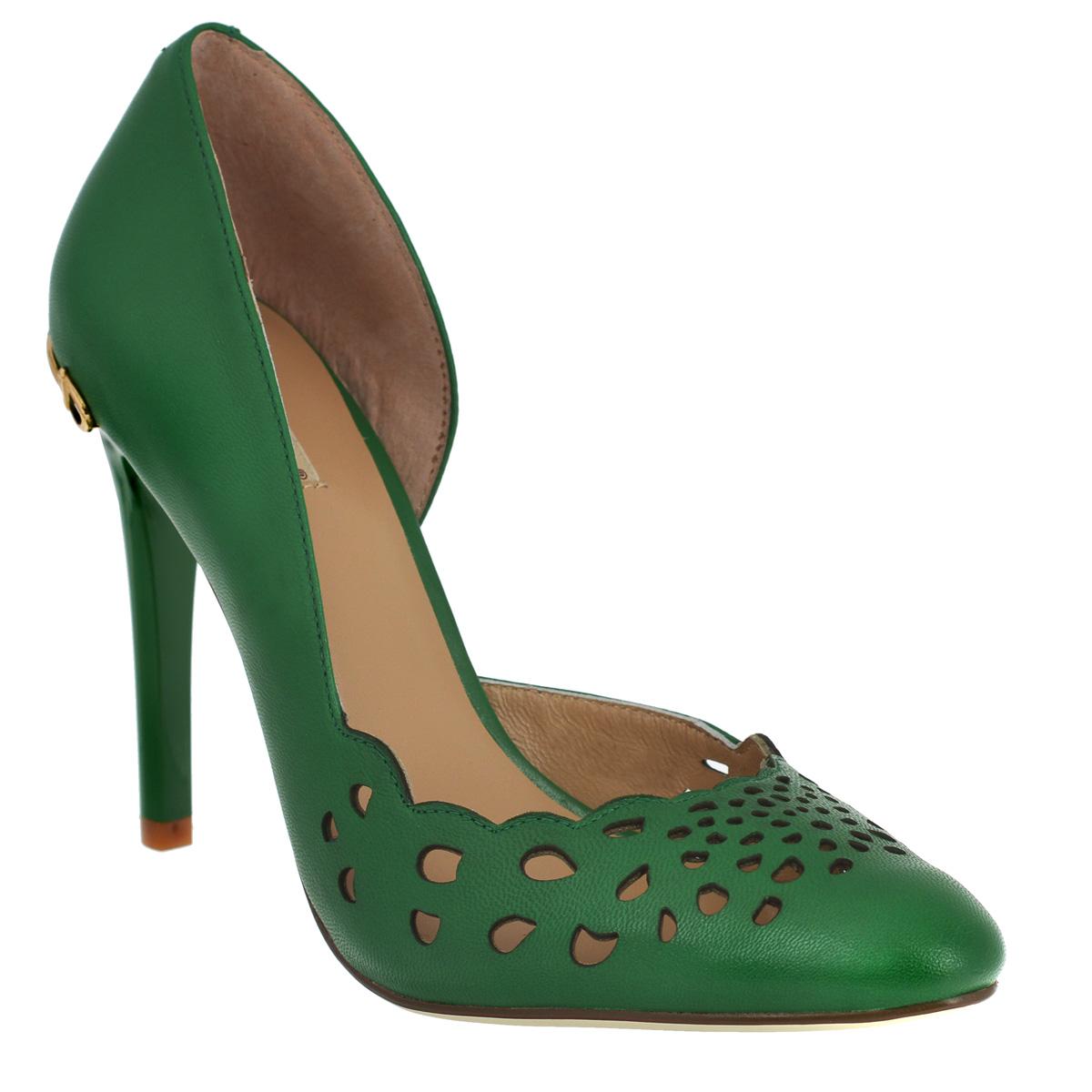 Туфли женские. 434143414Модные женские туфли Vitacci займут достойное место среди вашей коллекции обуви. Модель изготовлена из натуральной кожи. Мыс изделия декорирован перфорацией, задник - металлическим украшением оригинальной формы. Одна из боковых сторон оформлена вырезом. Стелька из натуральной кожи позволит ногам дышать. Высокий каблук компенсирован скрытой платформой. Каблук и подошва дополнены противоскользящим рифлением. Прелестные туфли покорят вас с первого взгляда.
