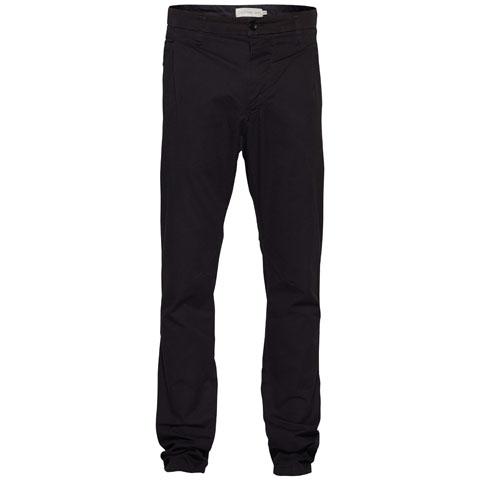 Ps-215/212-5123Стильные мужские брюки Calvin Klein Jeans, изготовленные из натурального хлопка, необычайно мягкие и приятные на ощупь, не сковывают движения, обеспечивая наибольший комфорт. Классическая модель прямого покроя с комбинированной ширинкой имеет шлевки для ремня. Спереди брюки дополнены двумя втачными карманами с косыми краями, сзади имеются два больших прорезных кармана. задний правый карман оформлен железной вставкой с логотипом бренда. Сзади брючины оформлены декоративной строчкой. Эти брюки идеальный вариант на каждый день.