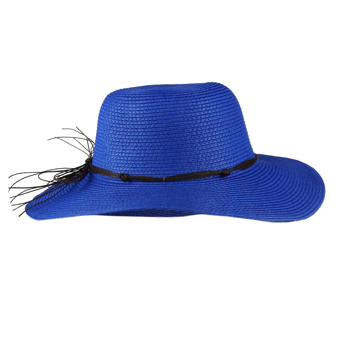 Шляпа1963700Летняя женская шляпа Canoe Tunis, выполненная из искусственной соломы, станет незаменимым аксессуаром для пляжа и отдыха на природе. Широкие поля шляпы надежно защищают от солнечных лучей. Шляпа оформлена оригинальным плетеным шнурком вокруг тульи, завязанным бантом. Плетение шляпы обеспечивает необходимую вентиляцию и комфорт даже в самый знойный день. Шляпа легко восстанавливает свою форму после сжатия. Стильная шляпа с элегантными волнистыми полями подчеркнет вашу неповторимость и дополнит ваш повседневный образ.