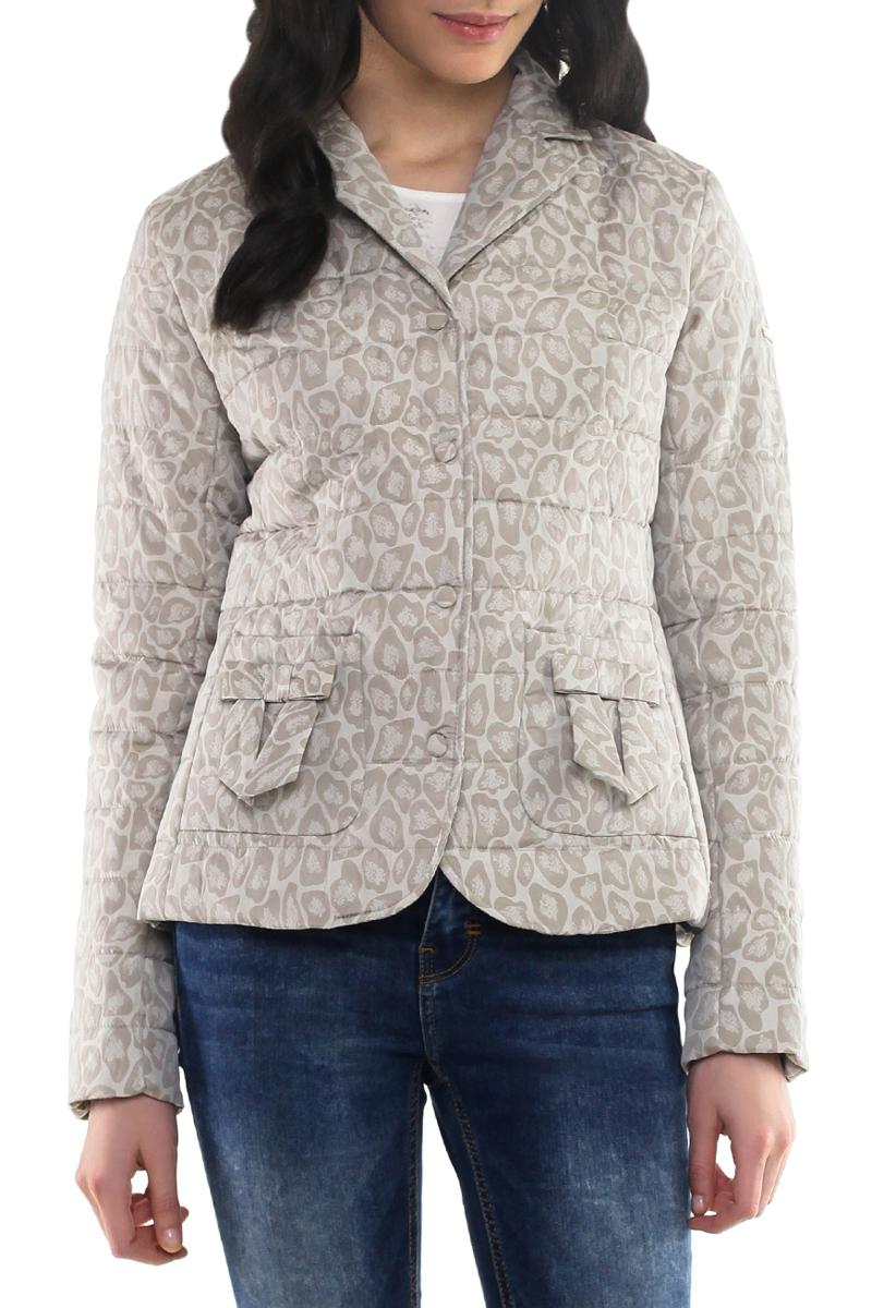 B035041Утепленная стеганая куртка Baon может стать вашей любимой моделью - ведь с ней будет так легко! Изделие выполнено из полиэстера с утеплителем из синтепона. Модель с отложным воротником и застежкой на кнопки оформлена пятнистым принтом. Спереди куртка дополнена двумя накладными карманами без застежки. Такая куртка займет достойное место в вашем гардеробе.