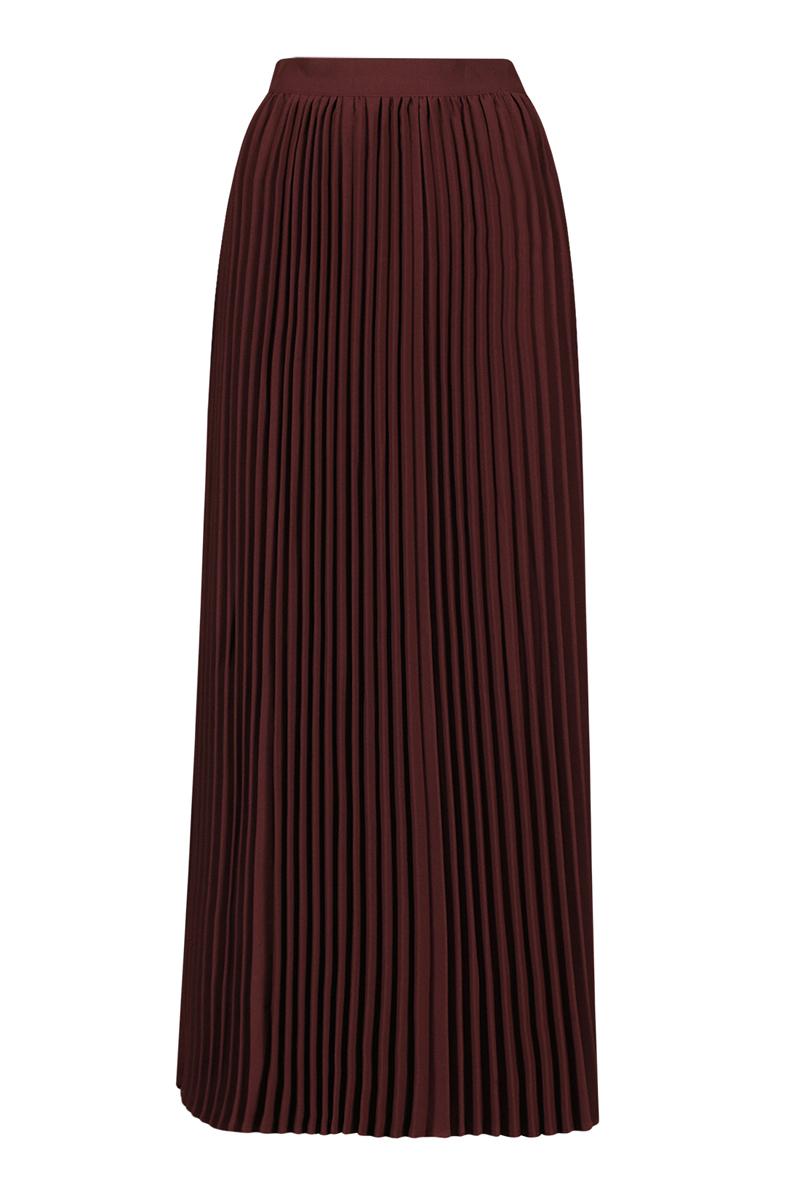 Юбка. B475006B475006Модная юбка-плиссе Baon, изготовленная из высококачественного материала, очень мягкая на ощупь, не раздражает даже самую нежную и чувствительную кожу и хорошо вентилируется. Модель макси длины на широком поясе. Юбка застегивается сзади на потайную молнию. В таком наряде вы, безусловно, привлечете восхищенные взгляды окружающих.