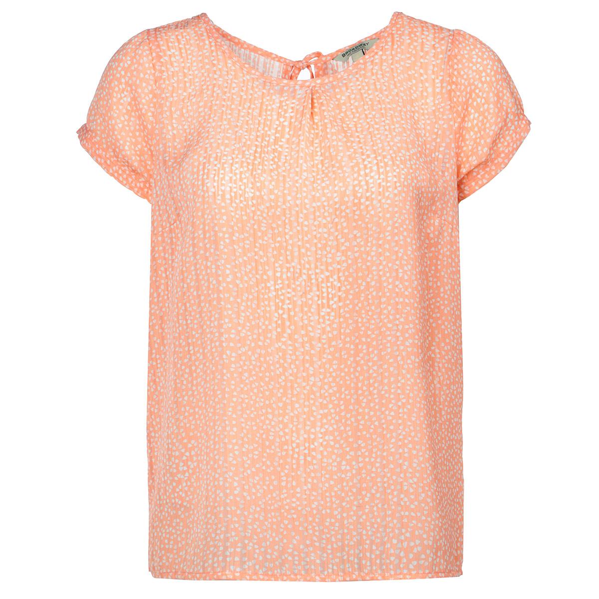 10149954 240-peach graphic printВоздушная блузка Broadway с коротким рукавом сделает вас неотразимой и в будни, и в праздники. Изготовлена из тонкого полупрозрачного материала. Модель свободного силуэта, с круглым вырезом горловины. Изделие оформлено оригинальным орнаментом. Спинка с V-образным вырезом на завязках. Такая блузка займет достойное место в вашем гардеробе.