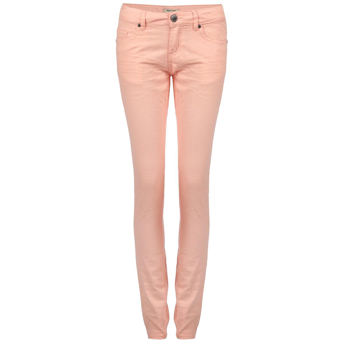 Джинсы женские. 1014988110149881 222-peach nectarСтильные женские джинсы Broadway созданы специально для того, чтобы подчеркивать достоинства вашей фигуры. Модель слегка зауженного к низу кроя и средней посадки станет отличным дополнением к вашему современному образу. Застегиваются джинсы на пуговицу в поясе и ширинку на застежке-молнии, имеются шлевки для ремня. Спереди модель оформлены двумя втачными карманами и одним небольшим секретным кармашком, а сзади - двумя накладными карманами. Эти модные и в тоже время комфортные джинсы послужат отличным дополнением к вашему гардеробу. В них вы всегда будете чувствовать себя уютно и комфортно.
