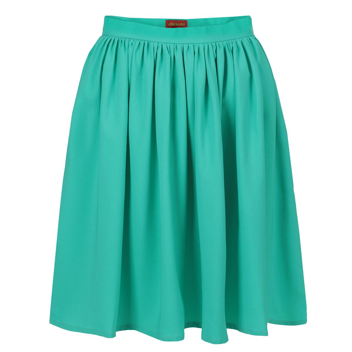 U01S-IМодная струящаяся юбка от Анны Чапман, изготовленная из высококачественного материала, очень мягкая на ощупь, не раздражает даже самую нежную и чувствительную кожу и хорошо вентилируется. Модель миди длины на широком поясе. Юбка застегивается сбоку на потайную молнию. Юбка станет отличным вариантом для создания женственного утонченного образа. В таком наряде вы, безусловно, привлечете восхищенные взгляды окружающих.