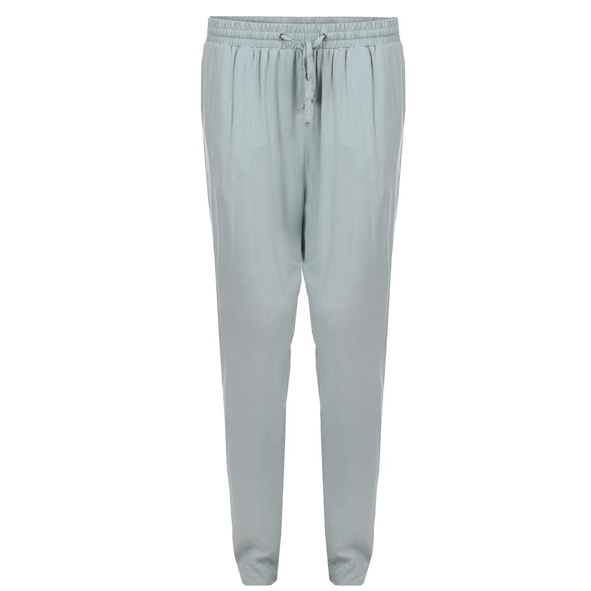 SSP1924ZIСтильные женские брюки Top Secret зауженные к низу, не только удачно впишутся практически в любой летний образ, но и подчеркнут фигуру. Выполнены из легкой вискозной ткани - мягкой и очень приятной на ощупь. В пояс вставлена широкая резинка, обеспечивающая более плотное прилегание, имеется затягивающийся шнурок. По бокам предусмотрены втачные карманы, сзади - имитация прорезных кармашков. Модель отлично подойдет для прогулок в теплые дни.