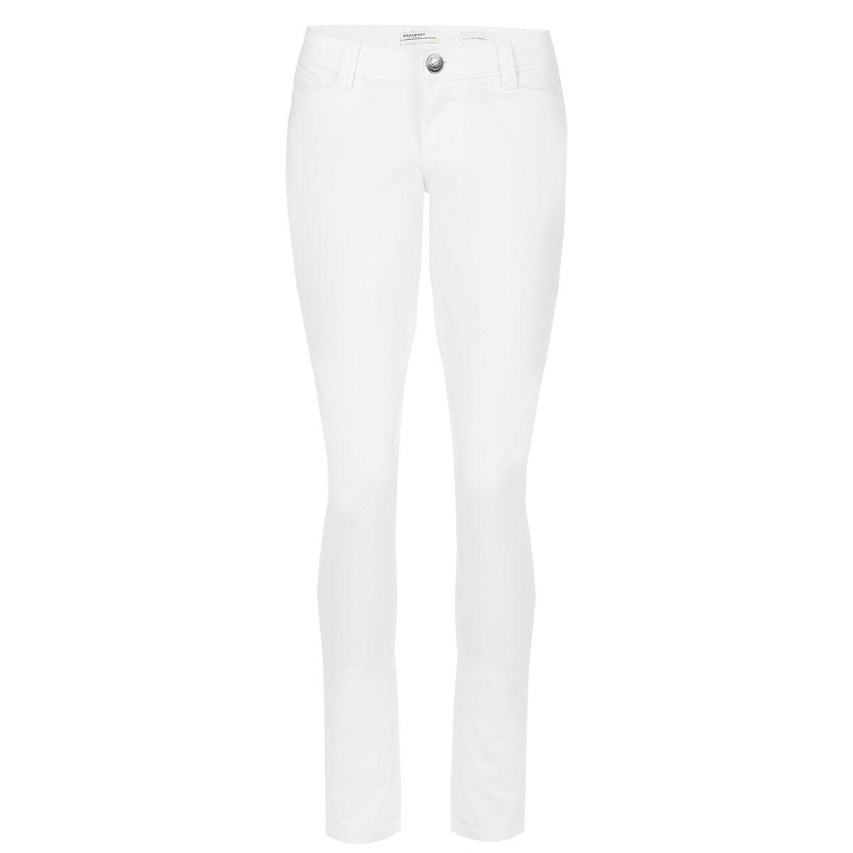 Брюки женские. 6010064260100642 000-whiteСтильные женские брюки Broadway выполнены из плотного материала, приятного на ощупь. Модель создана специально для того, чтобы подчеркивать достоинства вашей фигуры. Брюки зауженного к низу кроя и низкой посадки - отличный выбор для создания динамичного городского образа. Застегиваются брюки на пуговицу и ширинку на застежке-молнии, имеются шлевки для ремня. Спереди модель оформлены двумя втачными карманами и одним потайным кармашком, а сзади - двумя накладными карманами. Эти модные и в тоже время комфортные брюки послужат отличным дополнением к вашему гардеробу. В них вы всегда будете чувствовать себя уютно и комфортно.