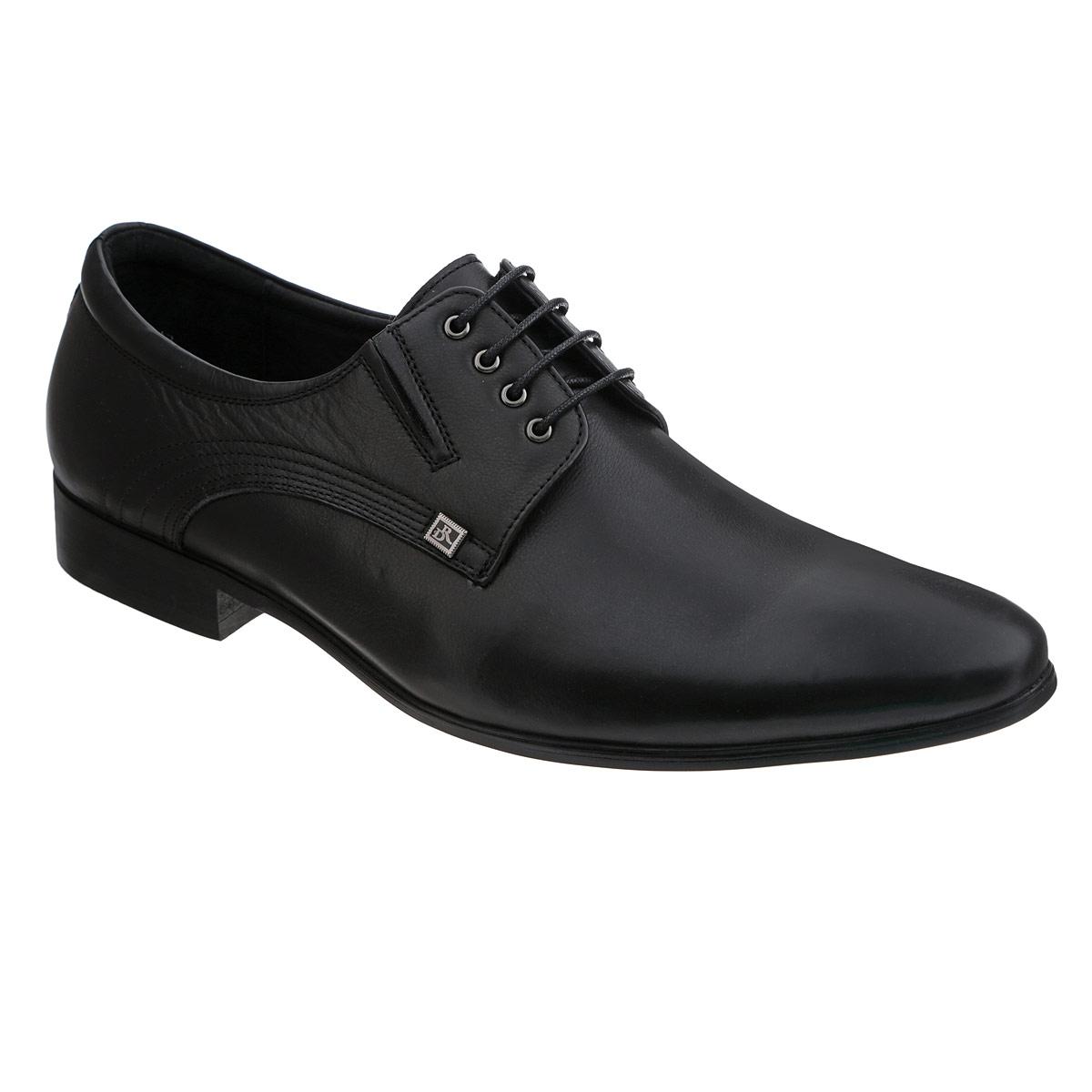 Туфли мужские. 105-70-145105-70-145Элегантные мужские туфли от Dino Ricci займут достойное место среди вашей коллекции обуви. Модель выполнена из натуральной высококачественной кожи. Сбоку изделие оформлено декоративными прострочками и небольшой металлической пластиной с логотипом бренда. Резинки, расположенные на подъеме, гарантируют оптимальную посадку модели на ноге. Шнуровка позволяет прочно зафиксировать обувь на ноге. Стелька из натуральной кожи оснащена перфорацией, позволяющей вашим ногам дышать. Каблук и подошва с рифлением обеспечивают отличное сцепление с поверхностью. Стильные туфли прекрасно дополнят ваш деловой образ.