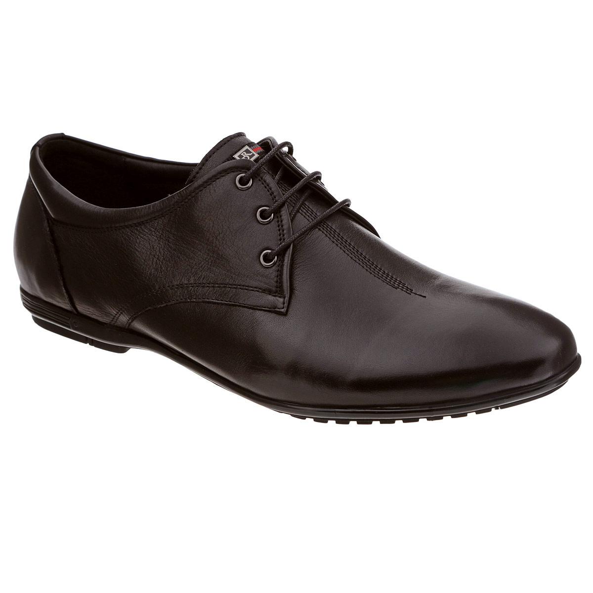 Полуботинки мужские. 105-149-4105-149-47Стильные мужские полуботинки от Dino Ricci не оставят вас равнодушным! Модель выполнена из натуральной высококачественной кожи. Язычок оформлен нашивкой и небольшой металлической пластиной с логотипом бренда. Шнуровка позволяет прочно зафиксировать обувь на ноге. Стелька из натуральной кожи оснащена перфорацией, позволяющей вашим ногам дышать. Прочная резиновая подошва дополнена противоскользящим рифлением. Модные полуботинки прекрасно впишутся в ваш гардероб.