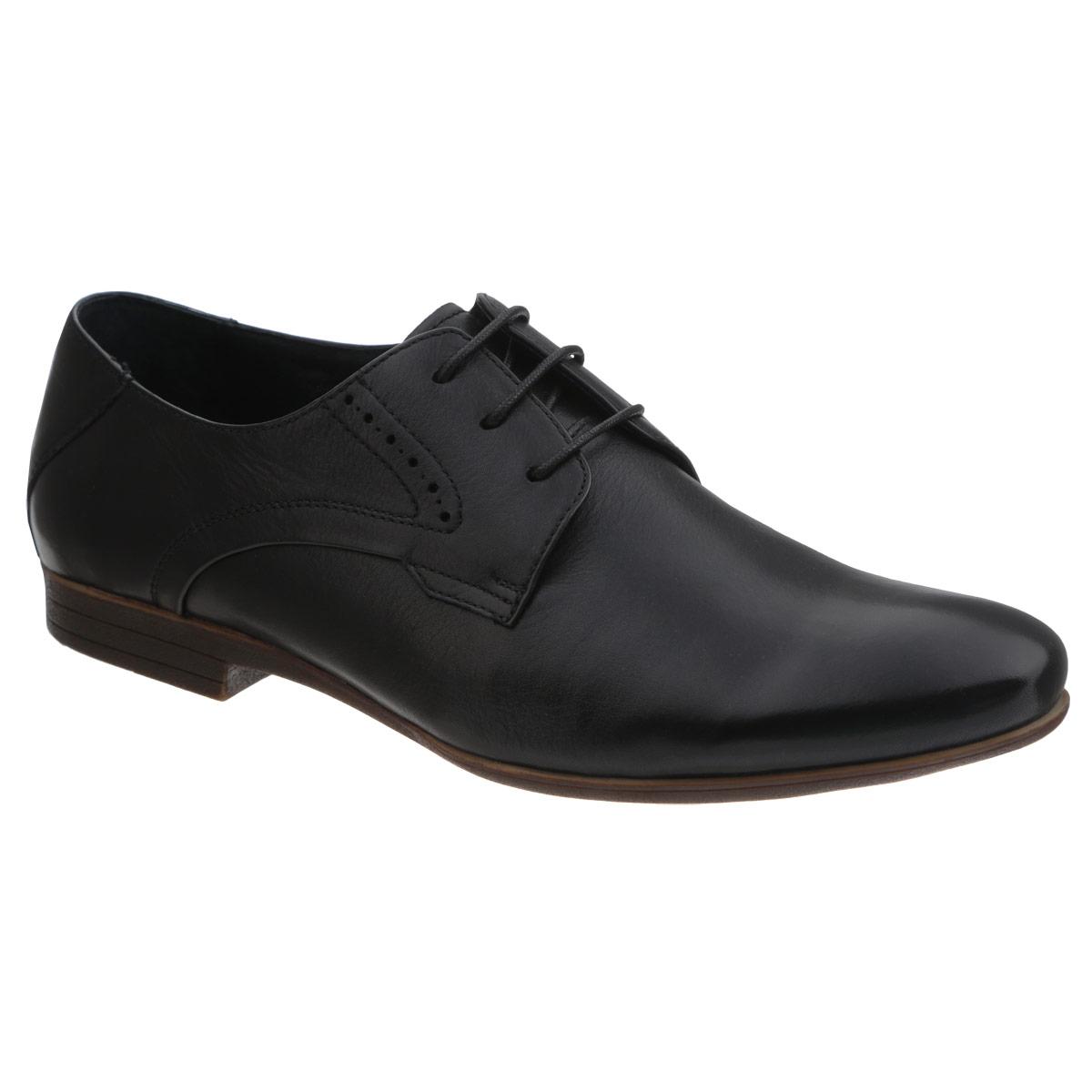 Туфли мужские. 106-67106-67-11Элегантные мужские туфли от Dino Ricci займут достойное место среди вашей коллекции обуви. Модель выполнена из натуральной высококачественной кожи и оформлена перфорацией на подъеме. Шнуровка позволяет прочно зафиксировать модель на ноге. Стелька из натуральной кожи оснащена перфорацией, позволяющей вашим ногам дышать. Каблук и подошва с рифлением обеспечивают отличное сцепление с поверхностью. Стильные туфли прекрасно дополнят ваш деловой образ.
