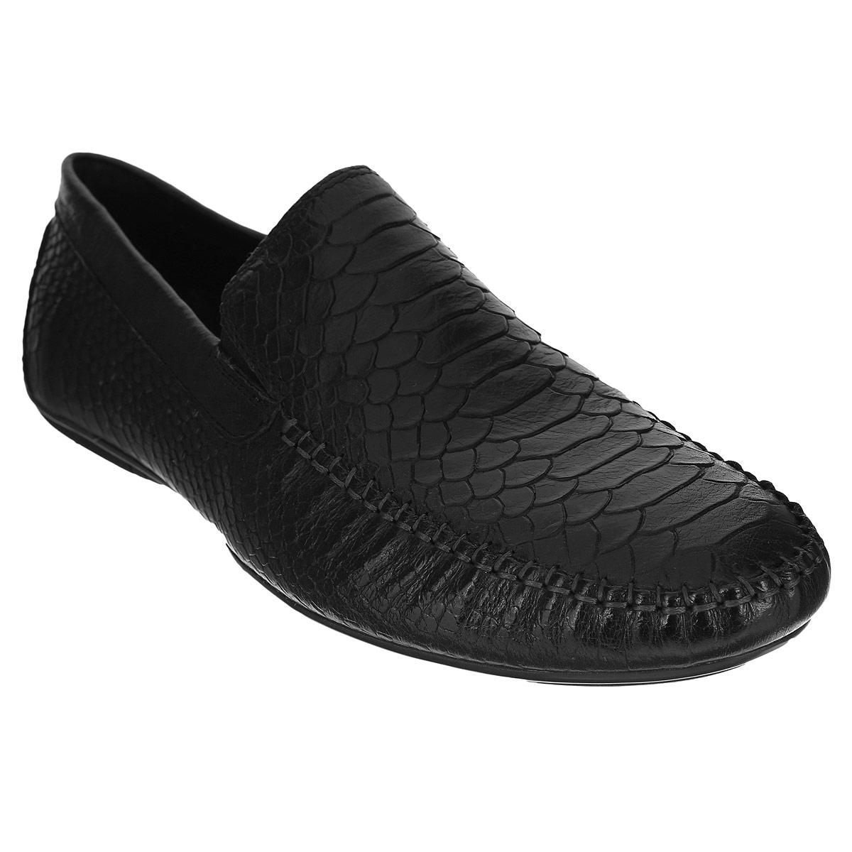 109-08-34Элегантные мужские полуботинки от Dino Ricci не оставят вас равнодушным! Модель стилизована под мокасины и выполнена из натуральной кожи с тиснением под рептилию. Обувь оформлена внешними декоративными швами на мысе. Резинки, расположенные на подъеме, гарантируют оптимальную посадку модели на ноге. Съемная стелька EVA с внешней поверхностью из натуральной кожи комфортна при движении. Прочная подошва, дополненная рифлением, не скользит. Стильные полуботинки займут достойное место среди вашей коллекции обуви.