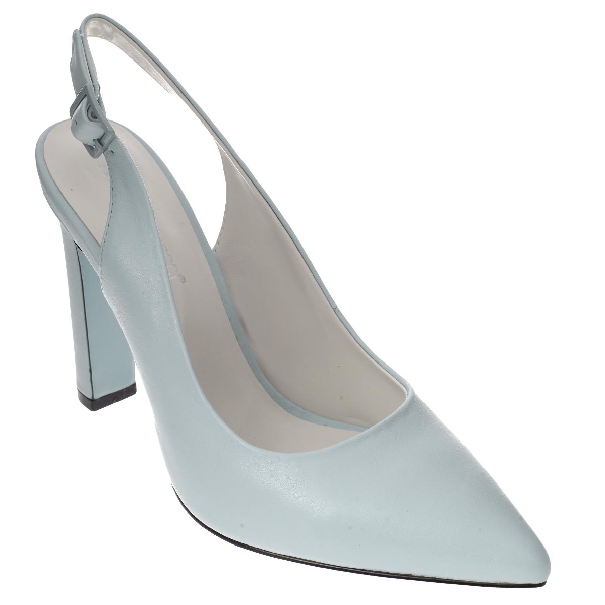 Туфли женские. 5269652696Трендовые женские туфли от Antonio Biaggi не оставят вас незамеченной! Модель выполнена из высококачественной натуральной кожи. Зауженный носок смотрится женственно. Ремешок с металлической пряжкой квадратной формы надежно зафиксирует модель на вашей щиколотке. Длина ремешка регулируется за счет болта. Стелька и подкладка из натуральной кожи обеспечивают комфорт при движении. Ультравысокий каблук компенсирован скрытой платформой. Подошва и каблук дополнены противоскользящим рифлением. Очаровательные туфли подчеркнут вашу утонченную натуру.