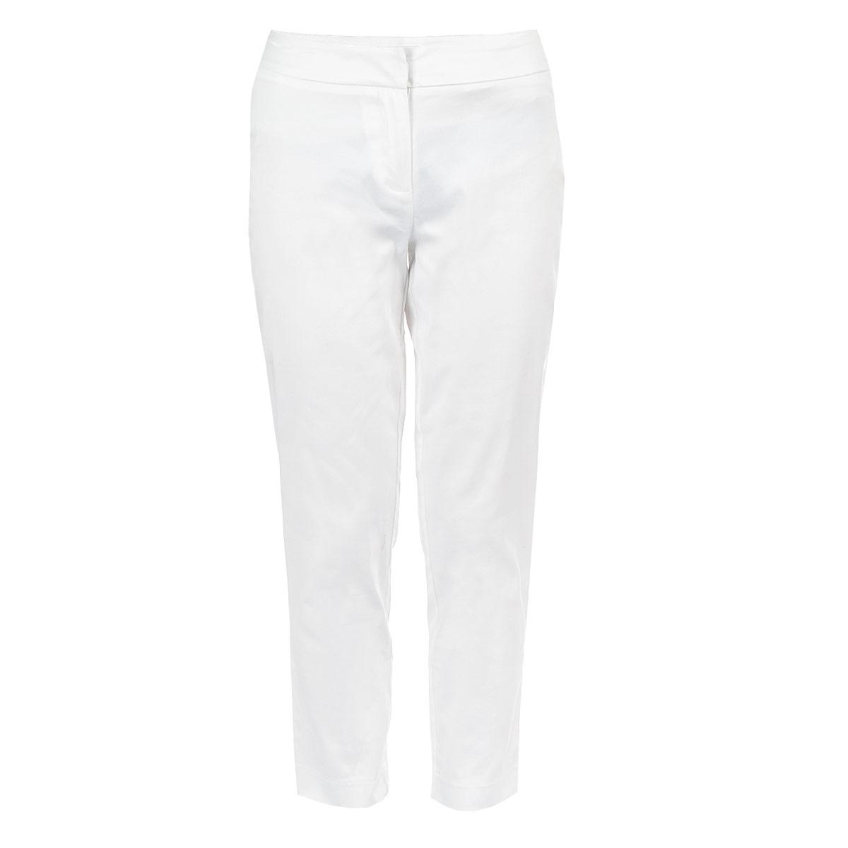 Брюки женские. 515416515416Стильные женские брюки Savage созданы специально для того, чтобы подчеркивать достоинства вашей фигуры. Модель слегка заниженного к низу кроя с укороченными брючинами станет отличным дополнением к вашему современному образу. Застегиваются брюки на крючок и пуговицу в поясе и ширинку на застежке-молнии. Сзади модель оформлена имитацией прорезных кармашков. Эти модные и в тоже время комфортные брюки послужат отличным дополнением к вашему гардеробу. В них вы всегда будете чувствовать себя уютно и комфортно.
