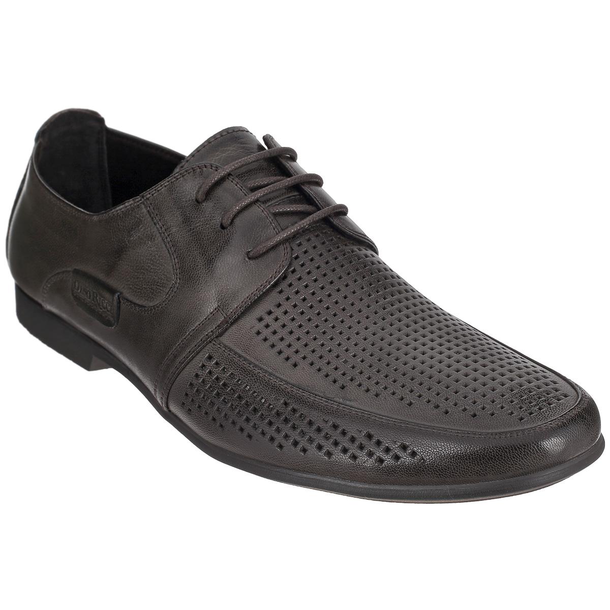 Туфли мужские. 104-145-39104-145-39Элегантные мужские туфли от Dino Ricci займут достойное место среди вашей коллекции обуви. Модель выполнена из натуральной высококачественной кожи и декорирована перфорацией на мысе. Сбоку туфли оформлены нашивкой с тиснением в виде названия бренда. Шнуровка позволяет прочно зафиксировать модель на ноге. Стелька EVA с поверхностью из натуральной кожи обеспечивает комфорт и амортизацию. Каблук и подошва с рифлением обеспечивают отличное сцепление с поверхностью. Стильные туфли прекрасно дополнят ваш деловой образ.