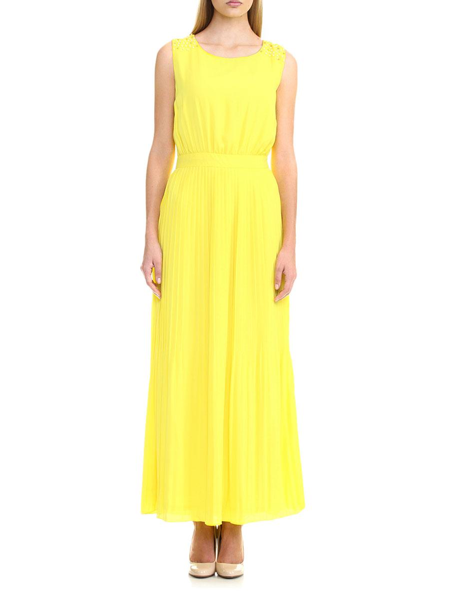 ПлатьеB455060_BRIGHT YELLOWЭлегантное платье Baon изготовлено из 100% полиэстера. Приталенное длинное платье без рукавов и V-образным вырезом горловины оформлено вышивкой мелкими бусинами на плечах. Платье застегивается сбоку на застежку-молнию. Длинное платье из струящейся ткани красиво драпируется и подчеркивает ваш силуэт и поможет создать оригинальный романтичный образ. Такое платье подчеркнет ваш изысканный вкус и станет превосходным дополнением вашего гардероба.