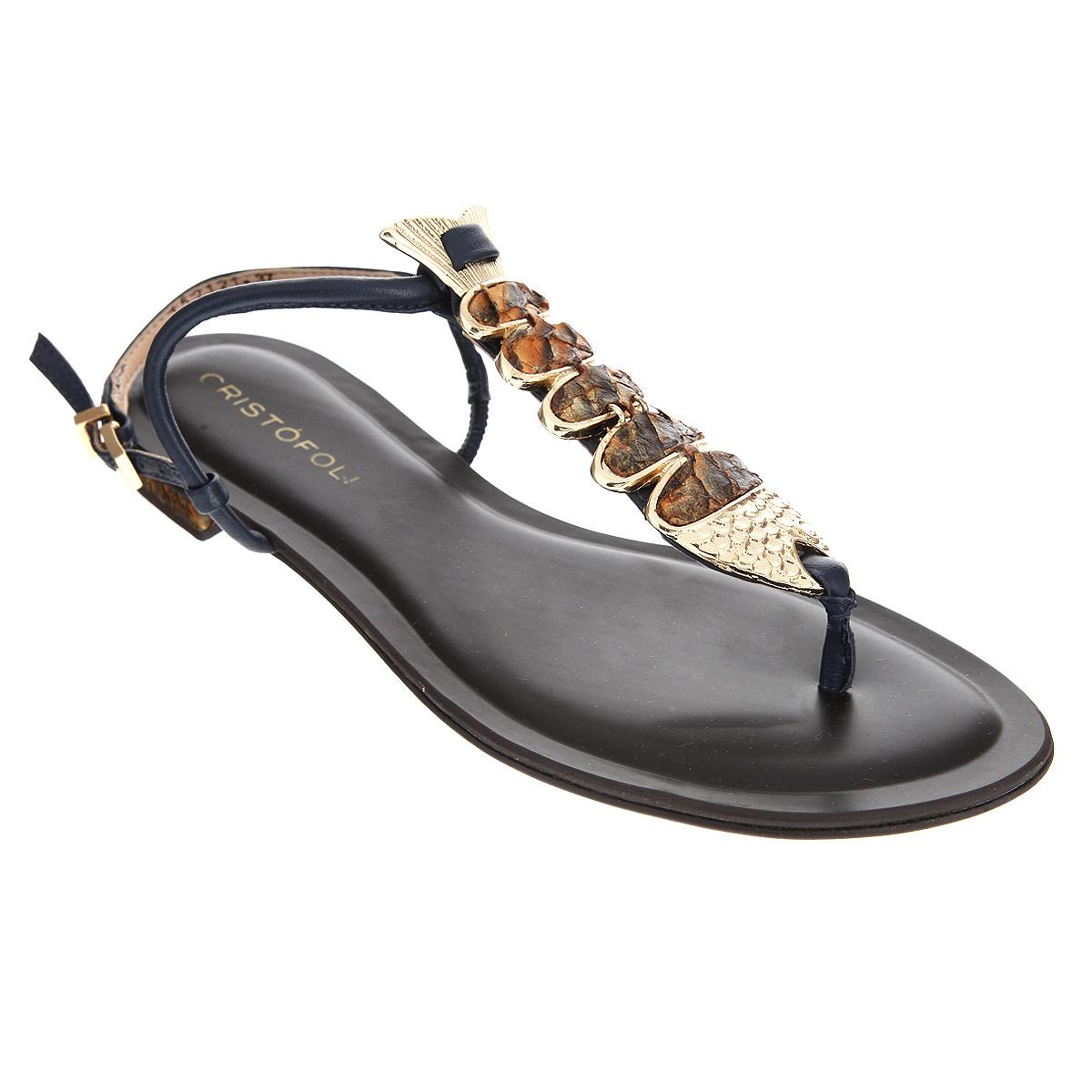 Сандалии женские. 152121152121Оригинальные женские сандалии от Cristofoli заинтересуют вас своим дизайном. Изделие изготовлено из натуральной кожи. Ремешок с металлической пряжкой прямоугольной формы надежно зафиксирует модель на вашей щиколотке. Длина ремешка регулируется за счет болта. Ремешок на подъеме оформлен декоративным элементом в виде рыбки, выполненной из металла. Стелька из натуральной кожи позволяет ногам дышать. Невысокий каблук и подошва дополнены противоскользящим рифлением. Каблук оформлен вставкой, имитирующей чешую рыбы. Стильные сандалии помогут вам создать яркий запоминающийся образ.