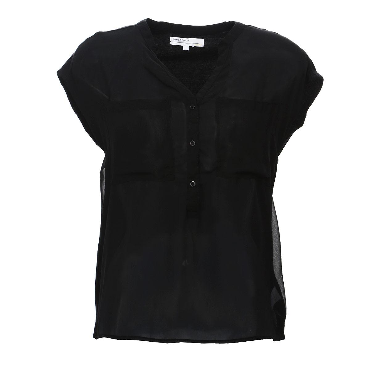 Блузка. 6010163060101630 00EСтильная блузка Broadway, выполненная из высококачественного материала, - находка для современной женщины, желающей выглядеть стильно и модно. Передняя часть блузки изготовлена из полупрозрачного полиэстера, спинка - из мягкого хлопка. Модель свободного кроя с короткими рукавами и V-образным вырезом горловины будет отлично на вас смотреться. Блузка на груди застегивается на три пуговицы и имеет два накладных кармашка. Спинка удлиненная. Такая модель, несомненно, вам понравится и послужит отличным дополнением к вашему гардеробу.