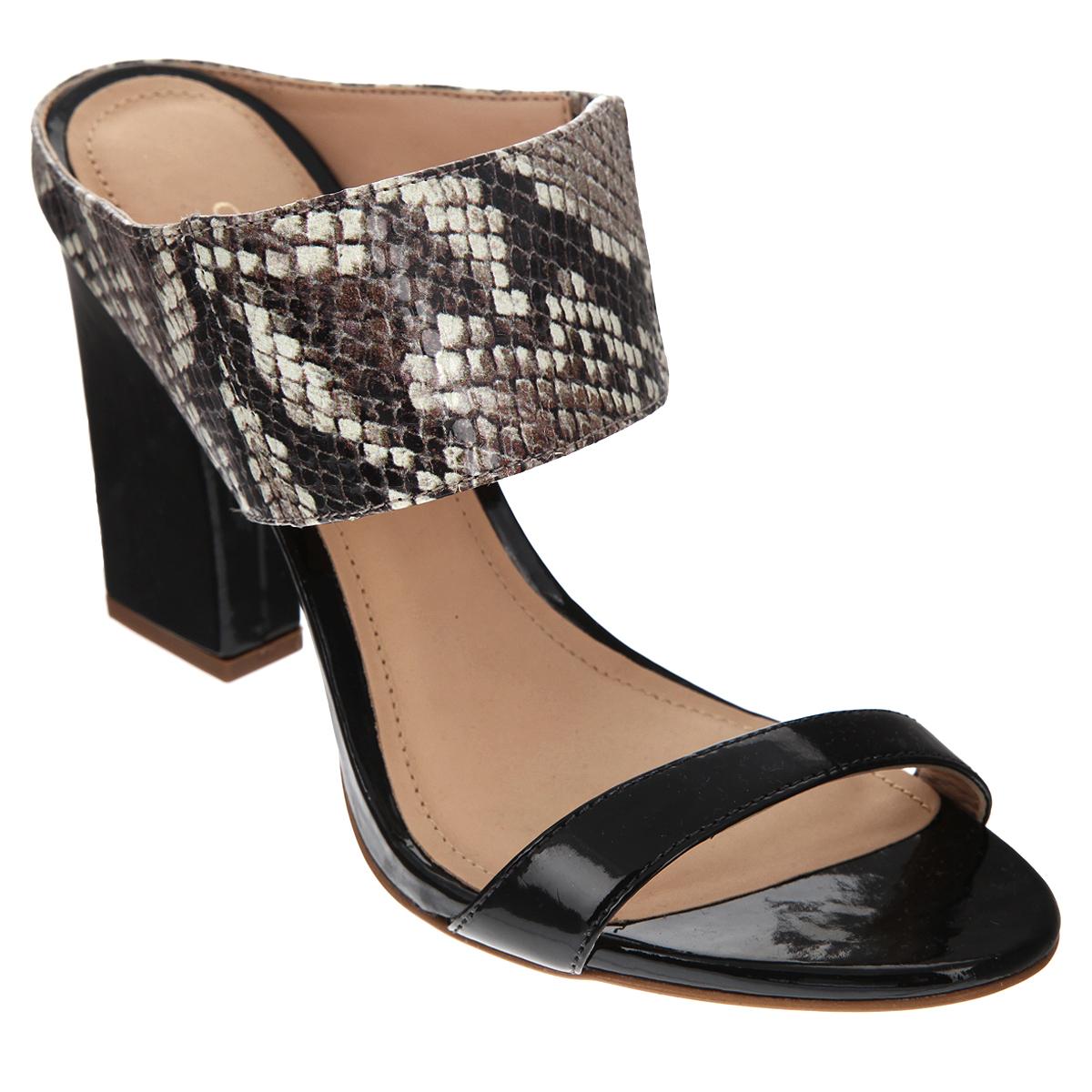 Сабо женские. 152194152194Стильные сабо от Cristofoli - незаменимая вещь в гардеробе каждой женщины. Модель выполнена из натуральной высококачественной кожи. Верхний ремешок стилизован под чешую змеи и дополнен резинкой, обеспечивающей идеальную посадку обуви на ноге. Мягкая стелька и подкладка из натуральной кожи обеспечивают комфорт при ходьбе. Ультравысокий каблук компенсирован платформой. Подошва - с противоскользящим рифлением. Изысканные сабо прекрасно дополнят ваш женственный образ.