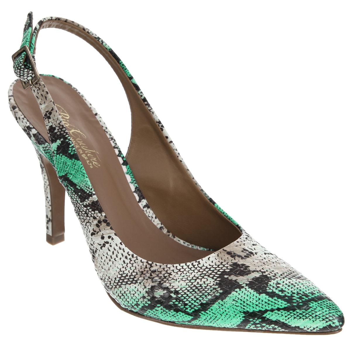 Туфли женские. 25100012510001Экстравагантные туфли Rio Couture позволят вам выделиться среди окружающих! Модель выполнена из натуральной кожи и оформлена узором, имитирующим змеиную кожу. Заостренный, чуть вытянутый носок смотрится невероятно женственно. Ремешок с металлической пряжкой прямоугольной формы отвечает за надежную фиксацию модели на щиколотке. Длина ремешка регулируется за счет болта. Стелька из натуральной кожи, дополненная названием бренда, комфортна при ходьбе. Высокий каблук компенсирован скрытой платформой. Подошва с рифлением обеспечивает отличное сцепление с любыми поверхностями. Эффектные туфли внесут изюминку в ваш модный образ.
