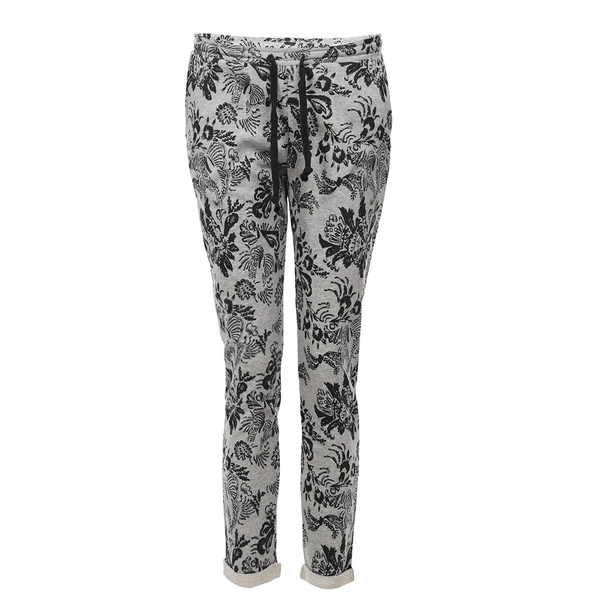 Брюки60101709 80KСимпатичные трикотажные спортивные женские брюки Broadway, выполненные из высококачественного материала отлично будут на вас смотреться. Пояс дополнен эластичной резинкой и шнурком. Брюки оформлены двумя втачными боковыми карманами спереди и двумя накладными карманами - сзади. Внизу брючины дополнены отворотами. Такие брюки, несомненно, вам понравятся и послужат отличным дополнением к вашему гардеробу.
