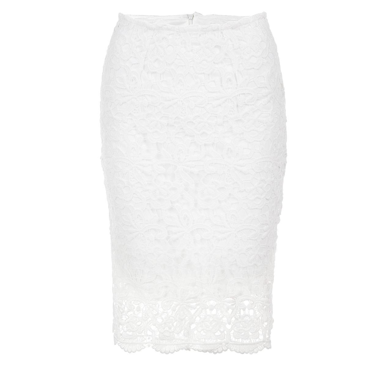 ЮбкаSSD0828BIЯркая юбка Top Secret выполнена из высококачественного мягкого полиэстера. Очаровательная юбка украшена крупным ажурным кружевом. Она застегивается на потайную застежку-молнию сзади и имеет подъюбник. Прямая юбка подчеркнет ваш силуэт и прекрасно подойдет к любому наряду. Стильная юбка выгодно освежит и разнообразит любой гардероб. Создайте женственный образ и подчеркните свою яркую индивидуальность!