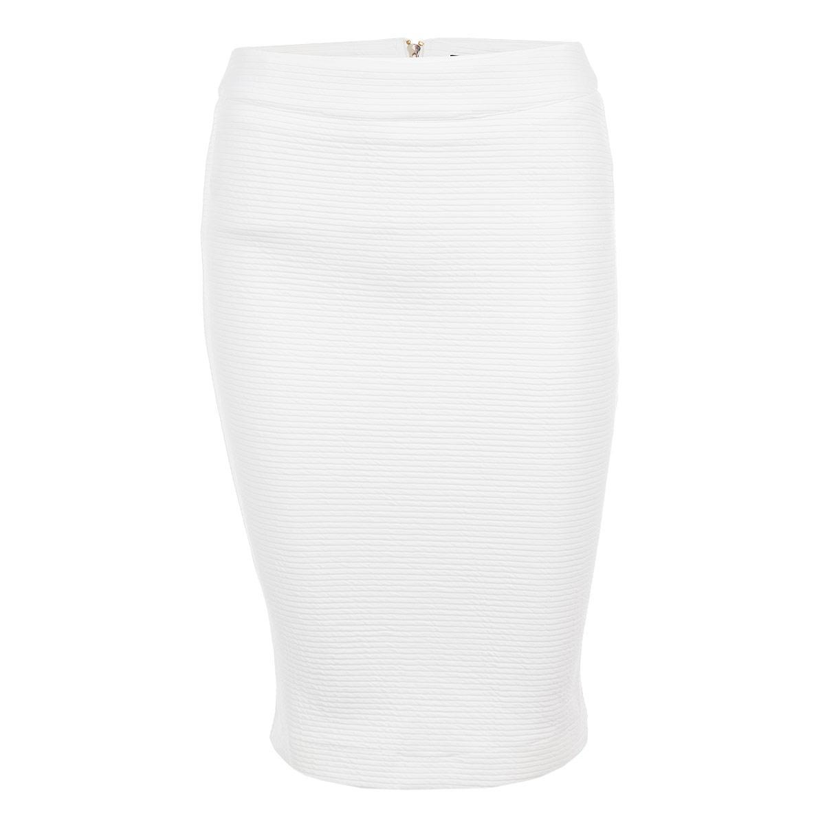 Юбка. SSD0805BISSD0805BIЯркая юбка Top Secret выполнена из высококачественного мягкого полиэстера с добавлением эластана. Стильная юбка застегивается на металлическую застежку-молнию сзади, которая является не только функциональным, но и декоративным элементом. Для большего комфорта, юбка оснащена мягким подъюбником из легкой струящейся ткани. Юбка-карандаш, оформленная оригинальными рельефными полосками, подчеркнет ваш силуэт и прекрасно подойдет к любому наряду. Стильная юбка выгодно освежит и разнообразит любой гардероб. Создайте женственный образ и подчеркните свою яркую индивидуальность!