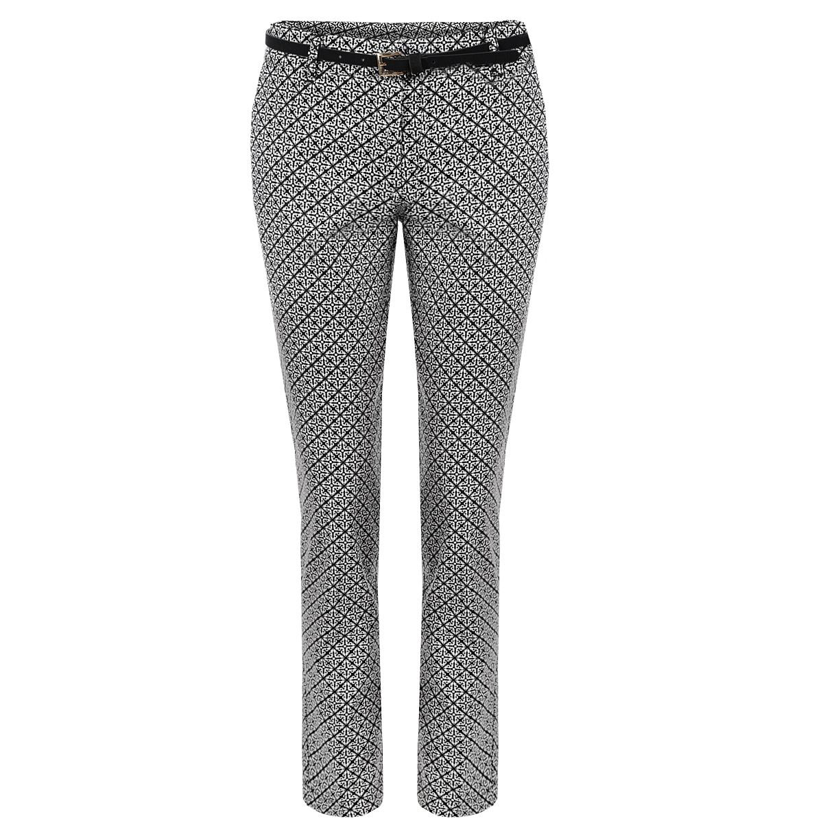 SSP1953BIСтильные женские брюки Top Secret созданы специально для того, чтобы подчеркивать достоинства вашей фигуры. Модель прямого кроя и средней посадки станет отличным дополнением к вашему современному образу. Застегиваются брюки на крючок и пуговицу в поясе и ширинку на застежке-молнии, имеются шлевки для ремня и тонкий ремешок в комплекте. Спереди модель оформлена двумя втачными карманами, а сзади - имитацией прорезных кармашков. Эти модные и в тоже время комфортные брюки послужат отличным дополнением к вашему гардеробу. В них вы всегда будете чувствовать себя уютно и комфортно.