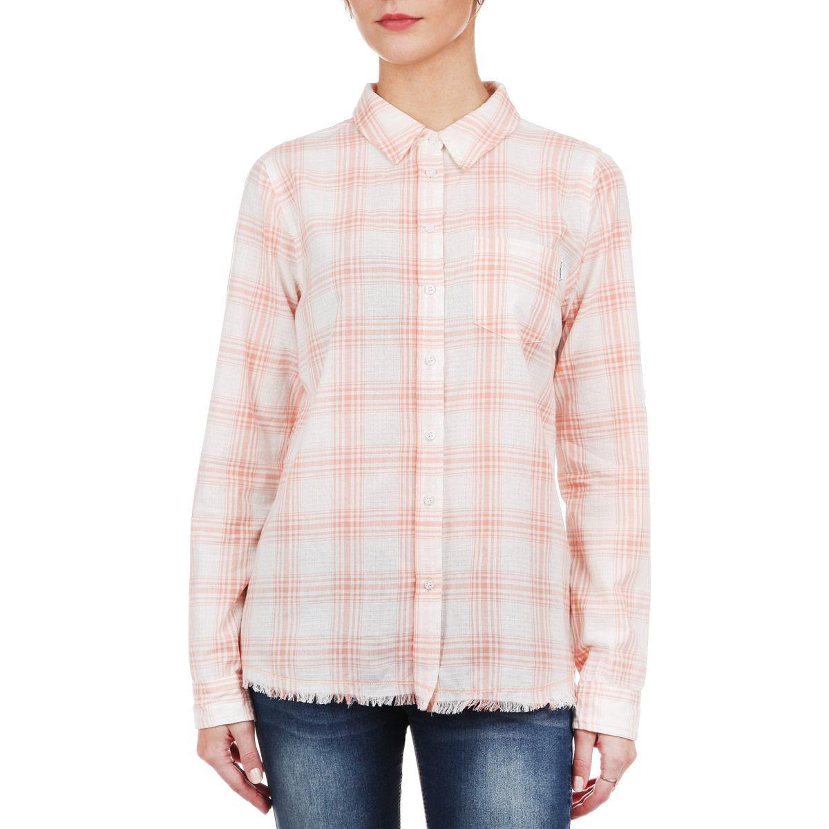 Рубашка женская. 6010169460101694 00DСтильная женская рубашка Broadway, выполненная из мягкого хлопка, обладает высокой теплопроводностью, воздухопроницаемостью и гигроскопичностью, позволяет коже дышать, тем самым обеспечивая наибольший комфорт при носке даже самым жарким летом. Рубашка с длинными рукавами, отложным воротником и полукруглым низом застегивается на пуговицы. На груди модель дополнена накладным карманом. Низ изделия оформлен бахромой. Такая рубашка будет дарить вам комфорт в течение всего дня и послужит замечательным дополнением к вашему гардеробу.