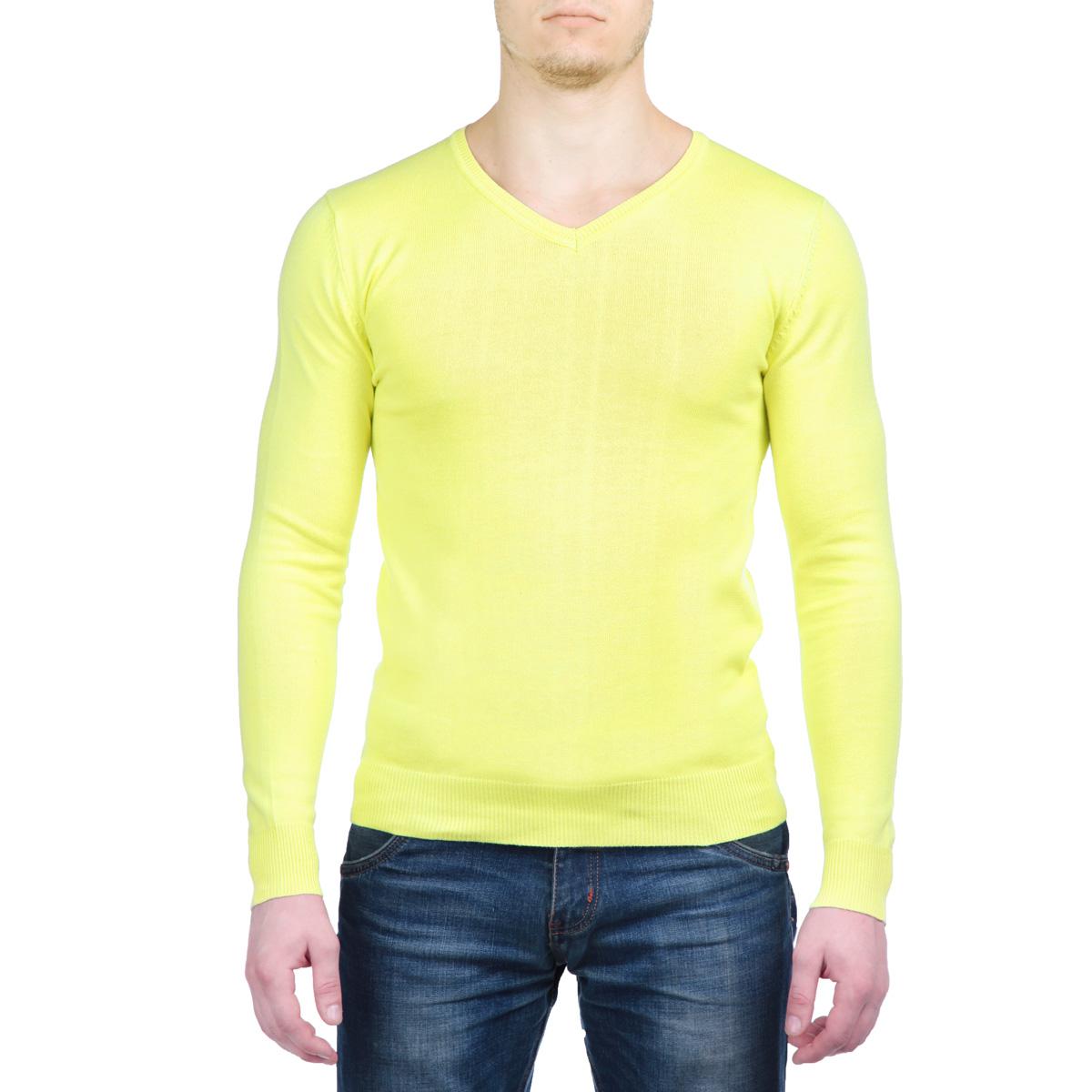 Пуловер мужской AbyssoBAbyssoB/BAYGREENСтильный мужской пуловер MeZaGuZ, изготовленный из высококачественного хлопка, не сковывает движения, обеспечивая наибольший комфорт. Модель с V-образным вырезом горловины великолепно сидит, а однотонная расцветка прекрасно сочетается с любыми нарядами. Низ и манжеты пуловера связаны резинкой. Этот теплый и комфортный пуловер станет отличным дополнением к вашему гардеробу. В нем вы всегда будете чувствовать себя уютно в прохладное время года.