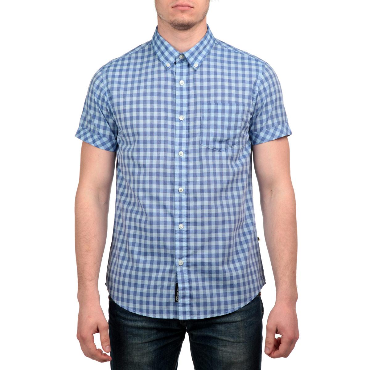 10152780 37AСтильная мужская рубашка Broadway, изготовленная из высококачественного материала, необычайно мягкая и приятная на ощупь, не сковывает движения и позволяет коже дышать, не раздражает даже самую нежную и чувствительную кожу, обеспечивая наибольший комфорт. Модная рубашка прямого кроя, с короткими рукавами, отложным воротником и полукруглым низом застегивается на пуговицы. На груди изделие дополнено накладным карманом. Эта рубашка идеальный вариант для повседневного гардероба. Такая модель порадует настоящих ценителей комфорта и практичности!