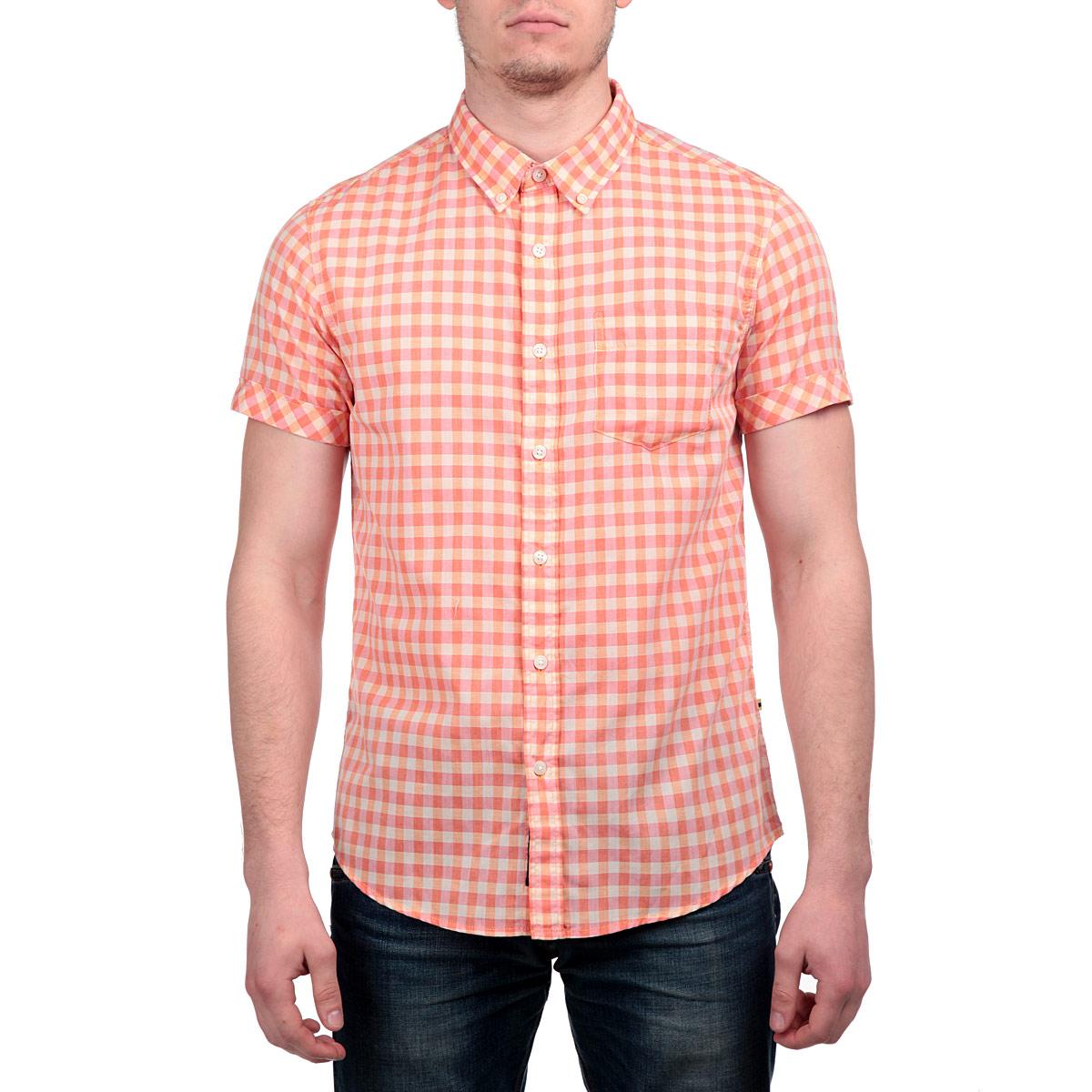 Рубашка мужская. 1015278010152780 37AСтильная мужская рубашка Broadway, изготовленная из высококачественного материала, необычайно мягкая и приятная на ощупь, не сковывает движения и позволяет коже дышать, не раздражает даже самую нежную и чувствительную кожу, обеспечивая наибольший комфорт. Модная рубашка прямого кроя, с короткими рукавами, отложным воротником и полукруглым низом застегивается на пуговицы. На груди изделие дополнено накладным карманом. Эта рубашка идеальный вариант для повседневного гардероба. Такая модель порадует настоящих ценителей комфорта и практичности!