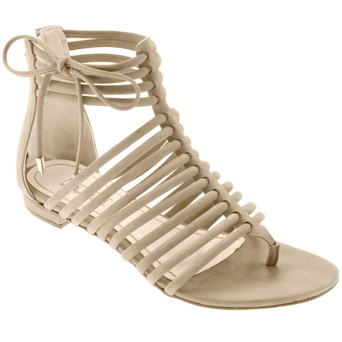 0-53034Стильные сандалии от Werner займут достойное место среди вашей коллекции летней обуви. Модель выполнена из натурального нубука. Стелька из натуральной кожи обеспечивает комфорт при ходьбе.Эргономичная перемычка между пальцами и тонкие ремешки на подъеме и вокруг щиколотки отвечают за надежную фиксацию модели на ноге. Закрытая пятка дополнена удобной застежкой-молнией. Декорировано изделие бантиком из нубука с металлическими наконечниками Подошва выполнена из прочного полимера с противоскользящим рифлением. Модные сандалии прекрасно дополнят любой из ваших образов.