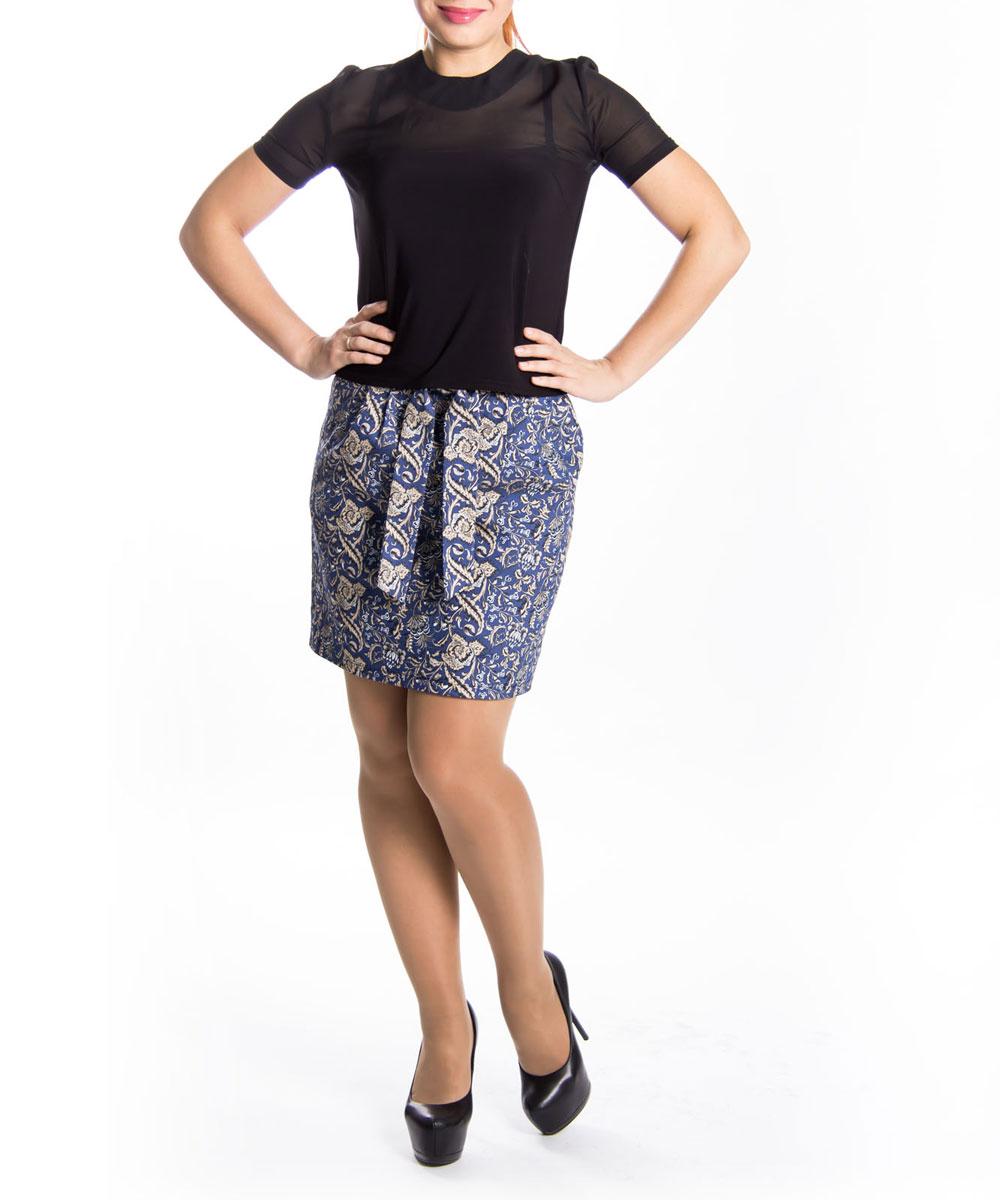 Юбка. 01450145Стильная юбка Lautus прямого кроя выполнена из высококачественного материала и оформлена принтовым орнаментом. Модель с пришивным поясом средней посадки застегивается сзади на потайную застежку-молнию. Юбка оформлена небольшими складками. Спереди модель дополнена двумя глубокими втачными карманами. В этой юбке вы будете чувствовать себя неотразимой, оставаясь в центре внимания. Модная юбка непременно украсит ваш гардероб и добавит образу женственности.