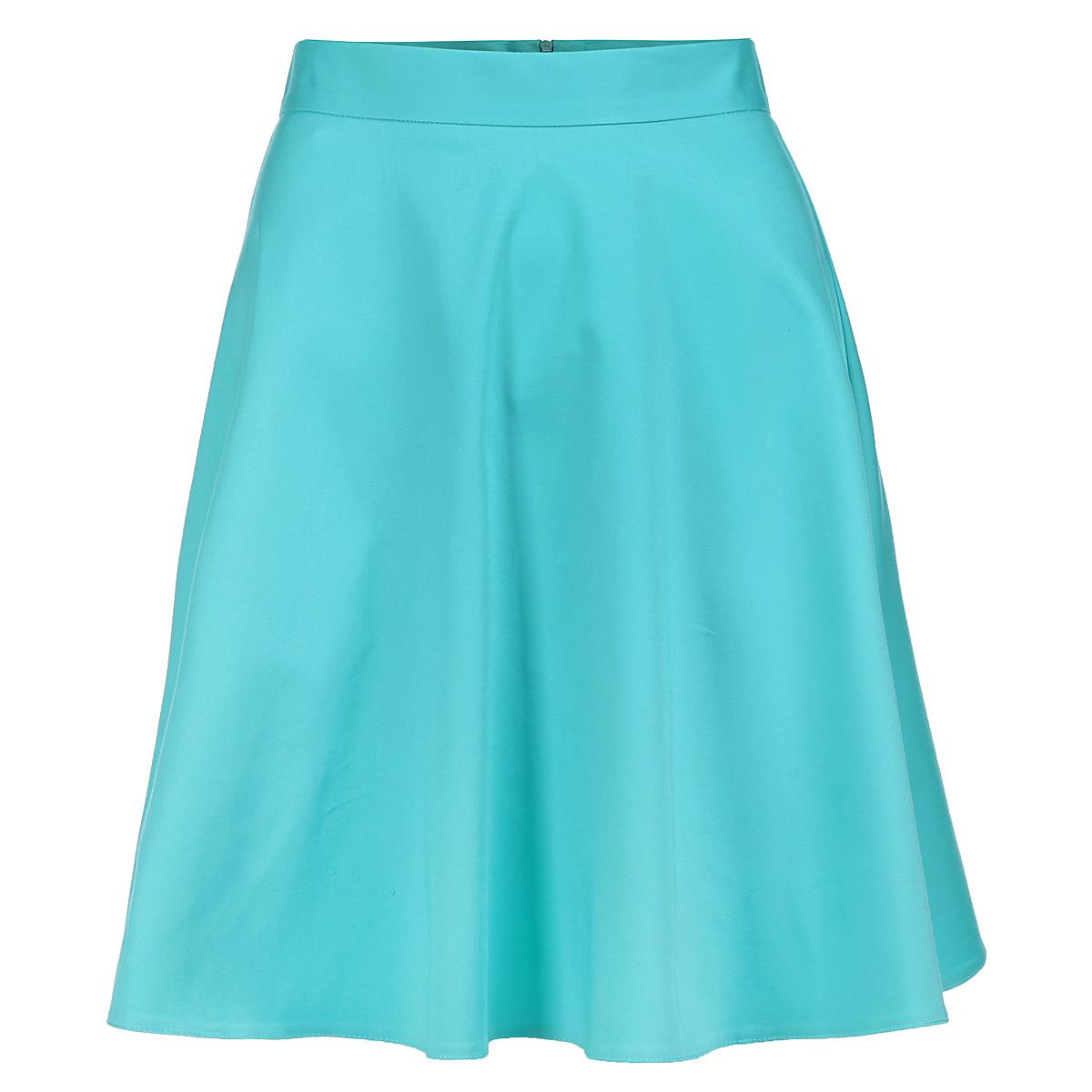 6717803 minЭлегантная юбка Yarmina изготовлена из мягкого хлопка с добавлением эластана. Модель средней длины на пришивном поясе застегивается на потайную застежку-молнию сзади. Классическая расклешенная юбка - актуальная и модная вещь женского гардероба. Она будет прекрасно смотреться с любыми топами и блузками. Эта стильная и в то же время комфортная юбка - отличный вариант на каждый день.