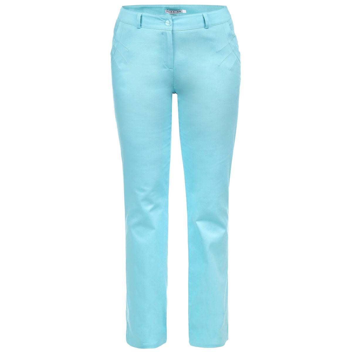 Брюки6717461Стильные женские брюки Yarmina созданы специально для того, чтобы подчеркивать достоинства вашей фигуры. Модель прямого кроя с посадкой на талии станет отличным дополнением к вашему современному образу. Застегиваются брюки на пуговицу в поясе и ширинку на застежке-молнии, предусмотрены шлевки для ремня. Спереди модель дополнена двумя втачными карманами, оформленными декоративными швами. Эти модные и в тоже время комфортные брюки послужат отличным дополнением к вашему гардеробу. В них вы всегда будете чувствовать себя уютно и комфортно.