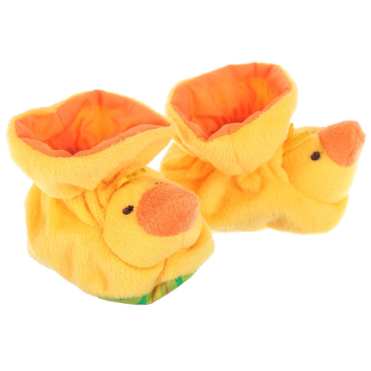 Р47061Очаровательные пинетки Baby Nice Утята идеально подойдут для маленьких ножек вашего крохи! Они очень нежные и приятные на ощупь, не раздражают кожу и хорошо вентилируются. В хлопковых велюровых пинетках ножка малыша дышит и не мерзнет - созданы все комфортные условия, для того, чтобы подумать о первых шагах! Пинетки изготовлены из очень мягкого и приятного на ощупь ворсистого материала - 100% хлопка и оформлены объемной головой в виде утенка. Благодаря скрытой эластичной резинке пинетки будут отлично держаться на ножке младенца. Подошва оформлена ярким оригинальным принтом. Такие пинетки - отличное решение для малышей и их родителей!