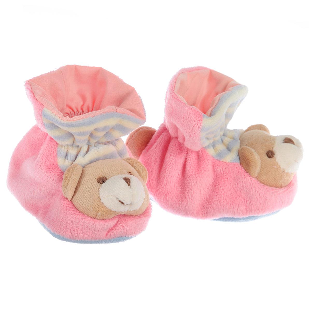 ПинеткиР47061Очаровательные пинетки Baby Nice Мишки идеально подойдут для маленьких ножек вашего крохи! Они очень нежные и приятные на ощупь, не раздражают кожу и хорошо вентилируются. В хлопковых велюровых пинетках ножка малыша дышит и не мерзнет - созданы все комфортные условия, для того, чтобы подумать о первых шагах! Пинетки изготовлены из очень мягкого и приятного на ощупь ворсистого материала - 100% хлопка и оформлены объемной головой в виде медвежонка. Благодаря скрытой эластичной резинке пинетки будут отлично держаться на ножке младенца. Подошва выполнена в контрастном цвете. Такие пинетки - отличное решение для малышей и их родителей!