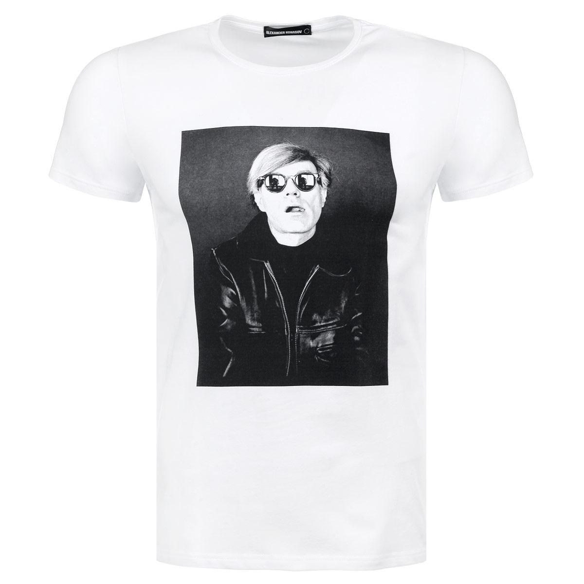 Футболка мужская Andy Warhol SunglassesAndy Warhol SunglassesСтильная мужская футболка Alexander Konasov, выполненная из высококачественного мягкого хлопка с небольшим добавлением лайкры, обладает высокой теплопроводностью, воздухопроницаемостью и гигроскопичностью, позволяет коже дышать. Модель с короткими рукавами и круглым вырезом горловины оформлена фотопринтом с изображением Энди Уорхола в солнечных очках. Эта футболка - идеальный вариант для создания эффектного образа. Все изделия бренда Alexander Konasov кроятся только по лекалам из высококачественной ткани, идеально сидят на фигуре, после стирки не деформируются.