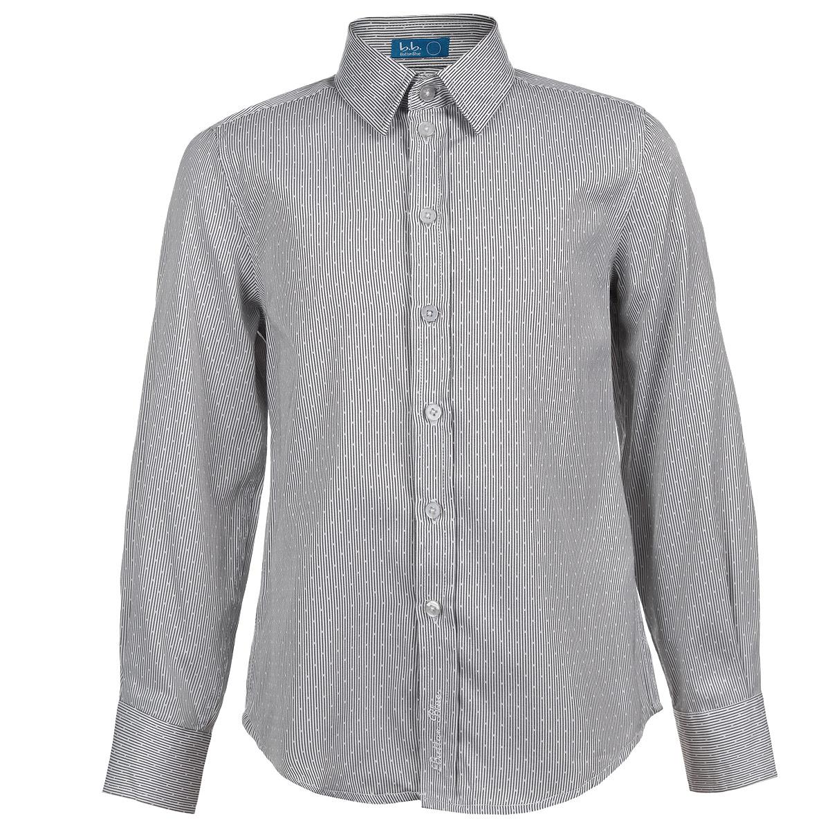 Рубашка для мальчика. 215BBBS2303215BBBS2303Стильная рубашка для мальчика Button Blue с длинными рукавами сделает образ ребенка свежим и необычным, не нарушив школьного дресс-кода. Изготовленная из хлопка с добавлением полиэстера, она мягкая и приятная на ощупь, не сковывает движения и позволяет коже дышать, не раздражает даже самую нежную и чувствительную кожу ребенка, обеспечивая ему наибольший комфорт. Рубашка классического кроя с отложным воротничком застегивается на пуговицы. Рукава имеют широкие манжеты, также застегивающиеся на пуговицы. Понизу модель дополнена небольшими боковыми закруглениями. Оформлено изделие оригинальным принтом, а также фирменной вышивкой в нижней части планки. Современный дизайн и расцветка делают эту рубашку стильным предметом детского гардероба. Ее можно носить как с джинсами, так и с классическими брюками.