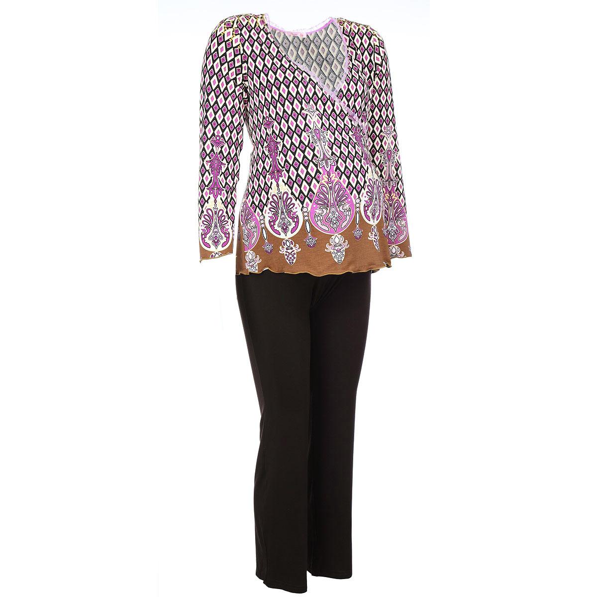 405.4Удобный, красивый домашний костюм для беременных и кормящих мам Nuova Vita Mamma Romantico, изготовленный из эластичной вискозы, состоит из блузы и брюк. Блуза на запах свободного кроя с рукавами 3/4 и мягкие брюки на эластичном поясе под живот составляют прекрасный комплект. Универсальность этого комплекта заключается в том, что его можно носить как во время беременности, так и после рождения ребенка. Блуза имеет легкий доступ к груди для комфортного кормления малыша, а так же максимального удобства ночных кормлений. Резинка на брюках устроена так, что во время беременности она находится под животом. Нежная пастельная расцветка придает этому костюму особый шарм и нежность. Одежда, изготовленная из вискозы, приятна к телу, сохраняет тепло в холодное время года и дарит прохладу в теплое, позволяет коже дышать. Эта ткань на ощупь мягкая и приятная, образует красивые складки. Материал очень хорошо впитывает влагу, не образует катышек. Костюм упакован в...