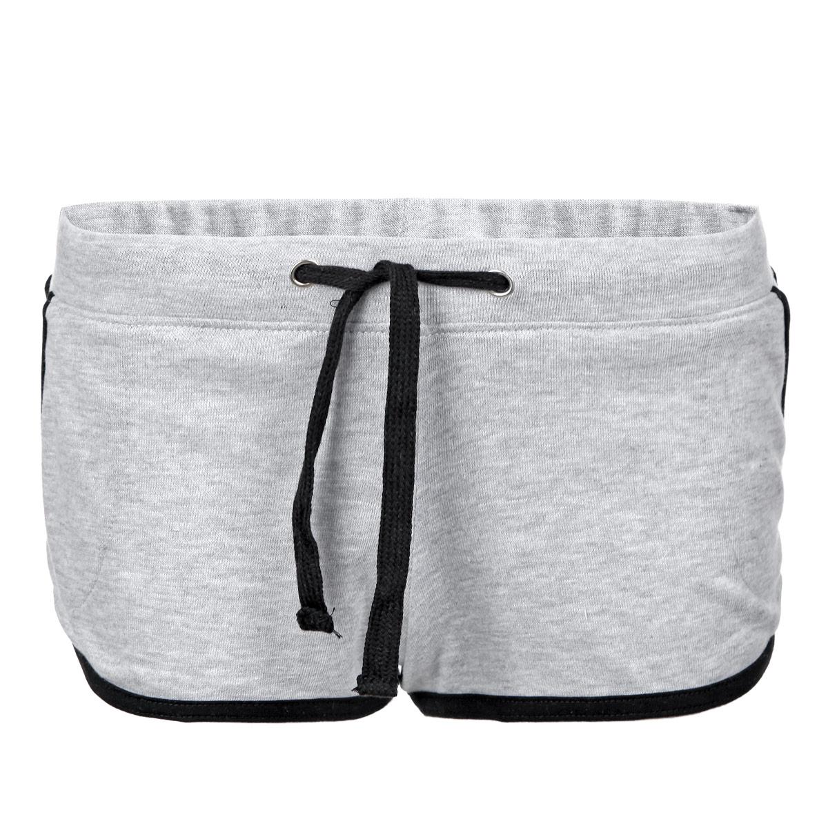 Шорты женские. L-SH-1713L-SH-1713 BLACKОчаровательные летние шорты Moodo выполнены из полиэстера с добавлением хлопка. Модель на широкой эластичной резинке, затягивается на кулиску. Шорты спереди дополнены двумя втачными карманами. Низ изделия и боковые швы отделаны контрастной бейкой. Стильные шорты - незаменимая вещь в летнем гардеробе каждой девушки.