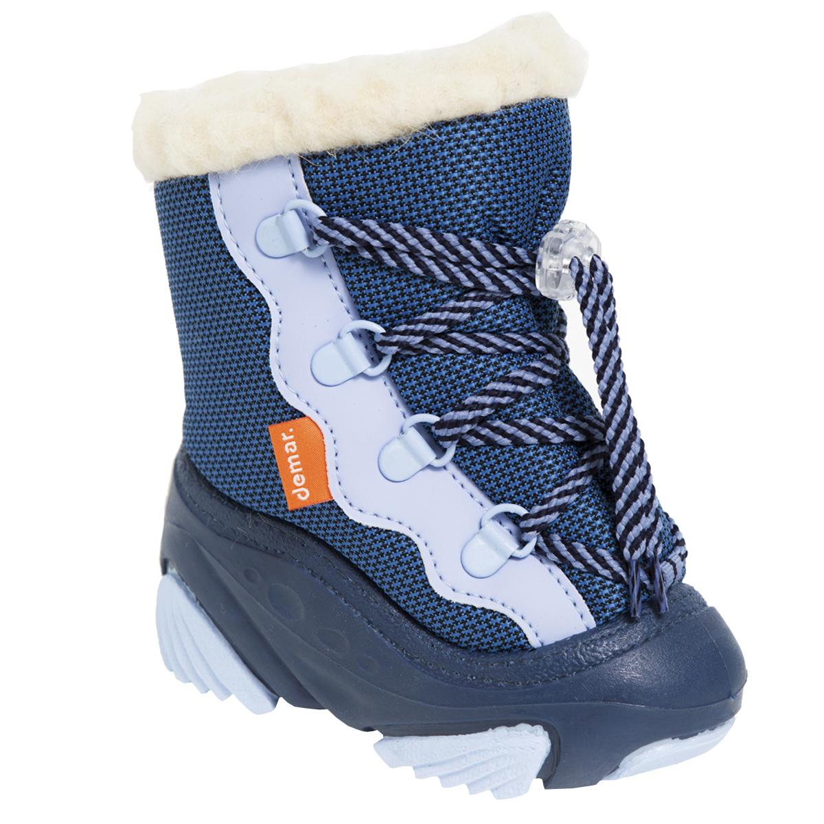 Дутики детские Snow Mar. 40174017Стильные дутики Snow Mar от Demar придутся по вкусу вашему ребенку. Верх модели выполнен из высококачественного текстиля и ПВХ. Подкладка и стелька из натуральной шерсти, сохранят ноги в тепле. Шнуровка обеспечивает более плотное прилегание модели на ноге. Подошва с рифлением обеспечит отличное сцепление с любыми поверхностями. Удобные дутики - необходимая вещь в гардеробе вашего ребенка.