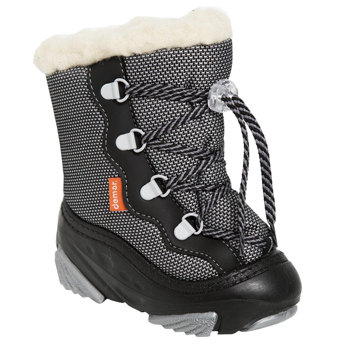 4017Стильные дутики Snow Mar от Demar придутся по вкусу вашему ребенку. Верх модели выполнен из высококачественного текстиля и ПВХ. Подкладка и стелька из натуральной шерсти, сохранят ноги в тепле. Шнуровка обеспечивает более плотное прилегание модели на ноге. Подошва с рифлением обеспечит отличное сцепление с любыми поверхностями. Удобные дутики - необходимая вещь в гардеробе вашего ребенка.