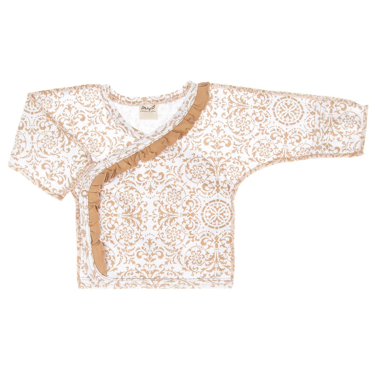 Распашонка-кимоно для девочки. 23-21523-215Распашонка для девочки Ёмаё послужит идеальным дополнением к гардеробу вашей малышки, обеспечивая ей наибольший комфорт. Изготовленная из натурального хлопка - интерлока, она необычайно мягкая и легкая, не раздражает нежную кожу ребенка и хорошо вентилируется, а эластичные швы приятны телу ребенка и не препятствуют его движениям. Распашонка-кимоно с длинными рукавами и V-образным вырезом горловины выполнена швами наружу. Благодаря системе застежек-кнопок по принципу кимоно переодеть кроху будет легко. Рукава дополнены отворотами, которые можно использовать в качестве рукавичек, и ребенок не поцарапает себя. Оформлено изделие ненавязчивым орнаментом и украшено рюшами. Распашонка полностью соответствует особенностям жизни ребенка в ранний период, не стесняя и не ограничивая его в движениях. В ней ваш ребенок всегда будет в центре внимания.