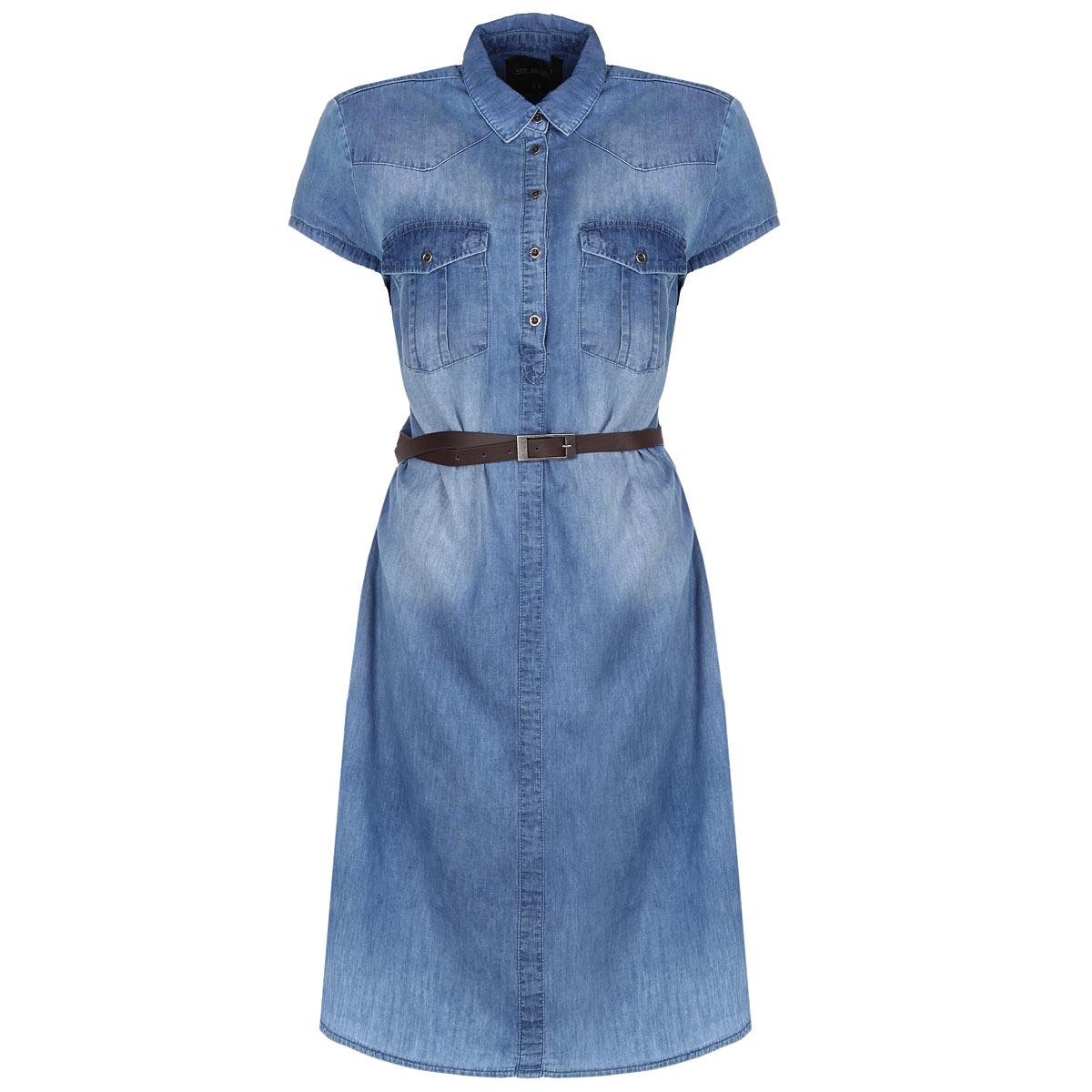 Платье. SSU1362NISSU1362NIСтильное платье-рубашка Top Secret, изготовленное из натурального хлопка, приятное на ощупь, не сковывает движения и позволяет коже дышать, обеспечивая наибольший комфорт. Платье прямого кроя с короткими рукавами, отложным воротничком и полукруглым низом сверху застегивается на пуговицы до линии груди. На талии изделие дополнено тонким ремешком из искусственной кожи. На груди - два накладных кармана с клапанами на пуговицах. Такое платье - идеальный вариант для создания образа в стиле Casual, оно будет дарить вам комфорт в течение всего дня и послужит замечательным дополнением к вашему гардеробу.