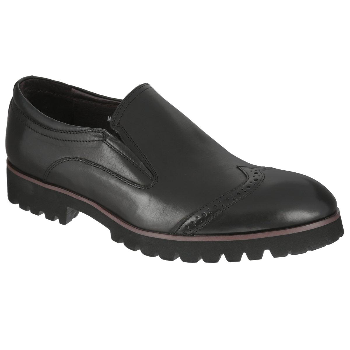 Туфли мужские. M22002M22002Трендовые мужские туфли Vitacci займут достойное место в вашем гардеробе. Модель изготовлена из высококачественной натуральной кожи и оформлена задним наружным ремнем, перфорацией на мысе. Резинки, расположенные на подъеме, обеспечивают оптимальную посадку обуви на ноге. Стелька из натуральной кожи оснащена перфорацией, что позволяет ногам дышать. Каблук и подошва с протектором обеспечивают идеальное сцепление с поверхностью. Стильные туфли не оставят равнодушным ни одного мужчину.