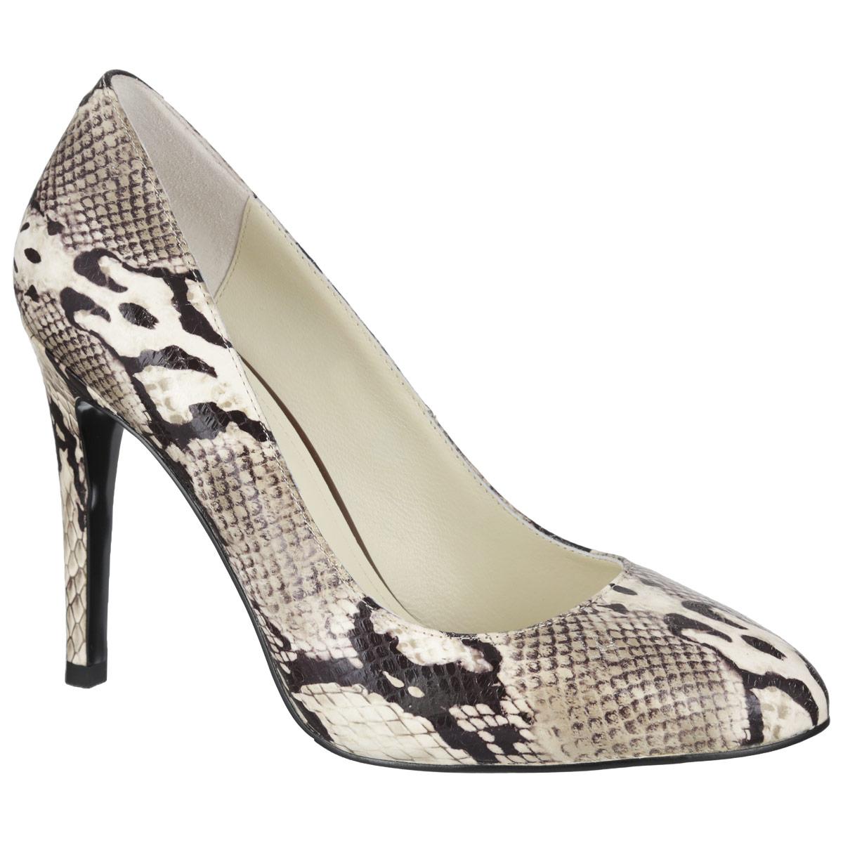 Туфли женские. 4641646416Роскошные туфли от Vitacci - незаменимая вещь в гардеробе настоящей модницы. Модель выполнена из натуральной высококачественной кожи и оформлена узором, имитирующим змеиную чешую. Мягкая стелька из натуральной кожи обеспечивает комфорт и удобство при ходьбе. Рифленая поверхность подошвы защищает изделие от скольжения. Трендовые туфли помогут вам создать яркий, запоминающийся образ.