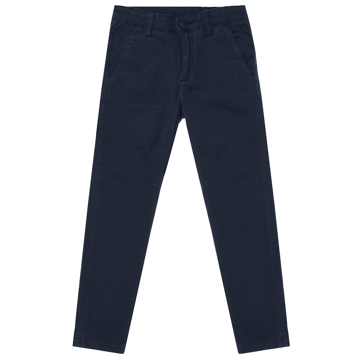 Брюки для мальчика. 6307963079Классические брюки для мальчика Orby - основа повседневного школьного гардероба. Изготовленные из эластичного хлопка, они необычайно мягкие и приятные на ощупь, не сковывают движения и позволяют коже дышать, не раздражают даже самую нежную и чувствительную кожу ребенка, обеспечивая ему наибольший комфорт. Брюки прямого покроя на талии застегиваются на пластиковую пуговицу и имеют ширинку на застежке-молнии и шлевки для ремня. С внутренней стороны предусмотрена скрытая эластичная резинка на пуговицах. Спереди брюки дополнены двумя втачными карманами с косыми краями, а сзади - двумя прорезными карманами с небольшими клапанами. Модель свободно сидит и не сковывают движений, а регулировка в поясе с плавающим механизмом обеспечит идеальную посадку по фигуре. Эта универсальная модель подходит под различные варианты пиджаков, джемперов и водолазок.