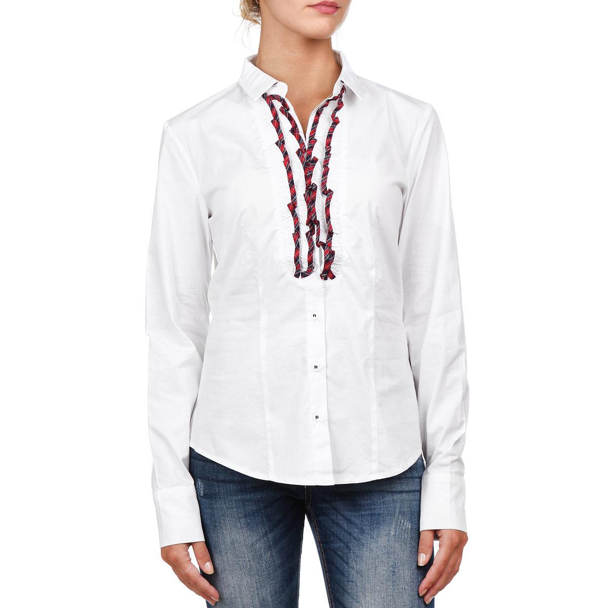 Блузка женская. 1728217282Симпатичная женская блузка F5, выполненная из высококачественного хлопка с небольшим добавлением эластана, очень комфортна при носке. Модель приталенного кроя с длинными рукавами, отложным воротничком и полукруглым низом застегивается на пуговицы. Изделие на груди оформлено вертикальными кокетливыми оборками. Такая блузка будет дарить вам комфорт в течение всего дня и послужит замечательным дополнением к вашему гардеробу.