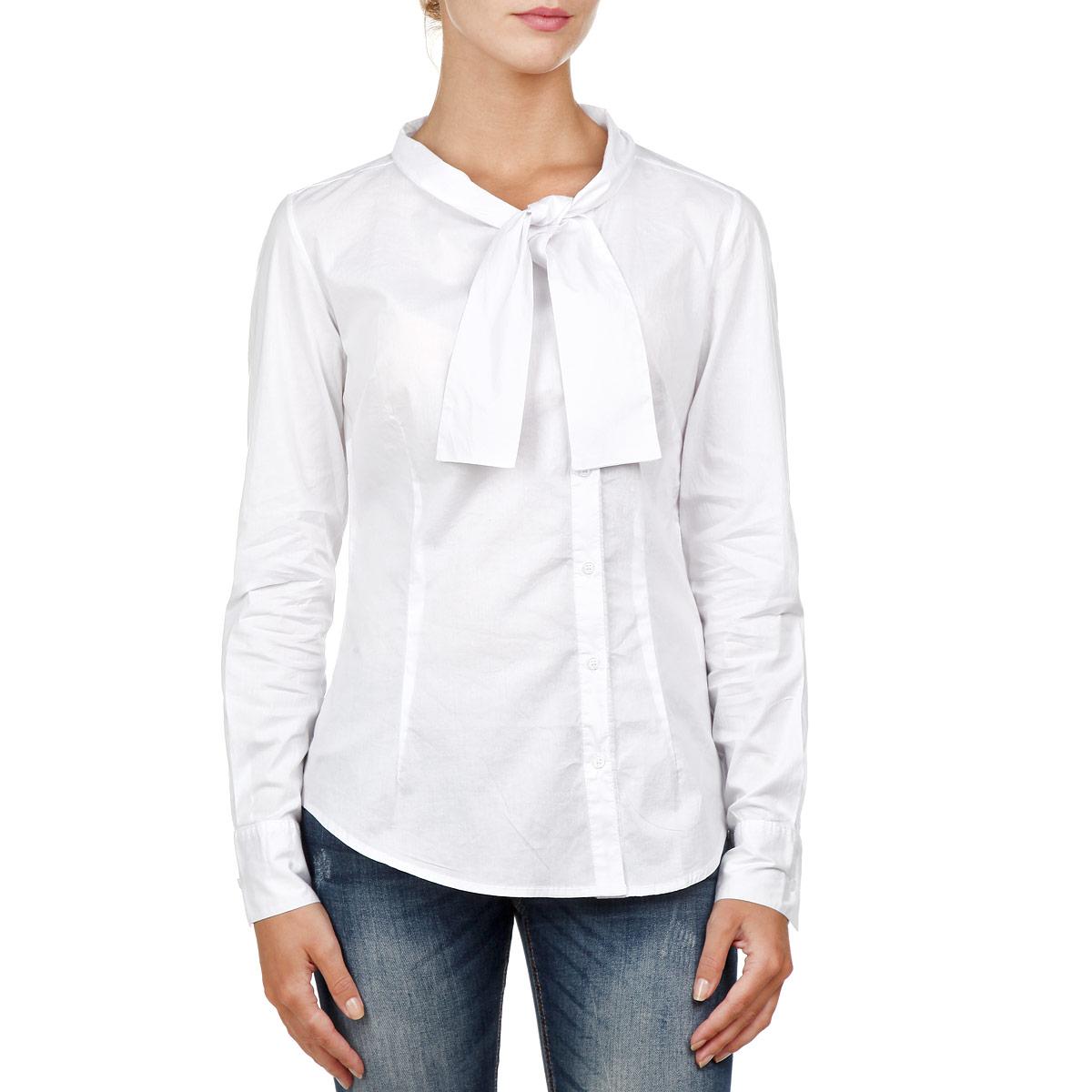 Рубашка17280/DNСтильная женская рубашка F5, выполненная из высококачественного хлопкового материала, - находка для современной женщины, желающей выглядеть стильно и модно. Модель прямого кроя с длинными рукавами и полукруглым низом застегивается на пуговицы. Круглый вырез горловины оформлен оригинальными завязками. Такая модель, несомненно, вам понравится и послужит отличным дополнением к вашему гардеробу.